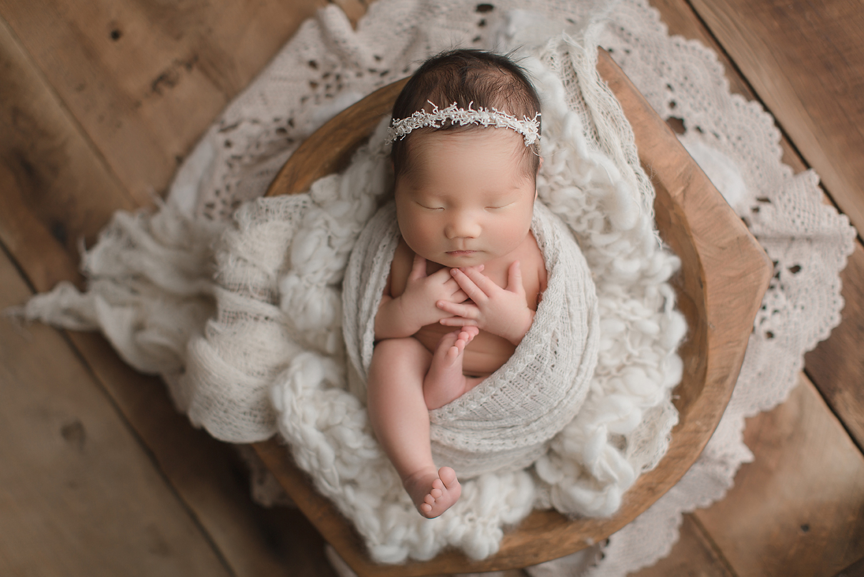 orange-county-newborn-photography-studio-irvine-organic-natural-beautiful-soft-vintage.jpg