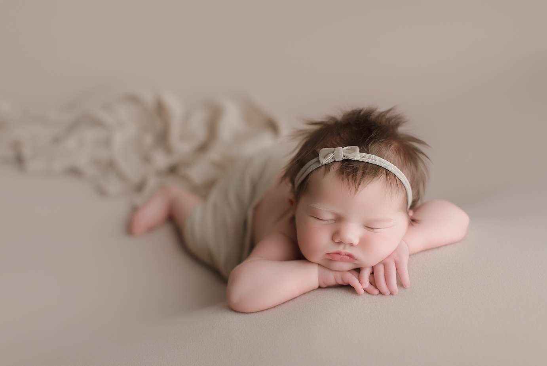 orange-county-newborn-photographer-irvine-studio-organic-natural-beautiful.jpg