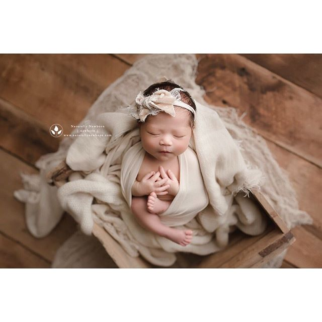 This sweet gallery is going out today! Can't wait for her mama to see it . . . . . #ocnewbornphotographer #orangecountynewbornphotograph #lanewbornphotographer #losangelesnewbornphotographer #newbornshoot