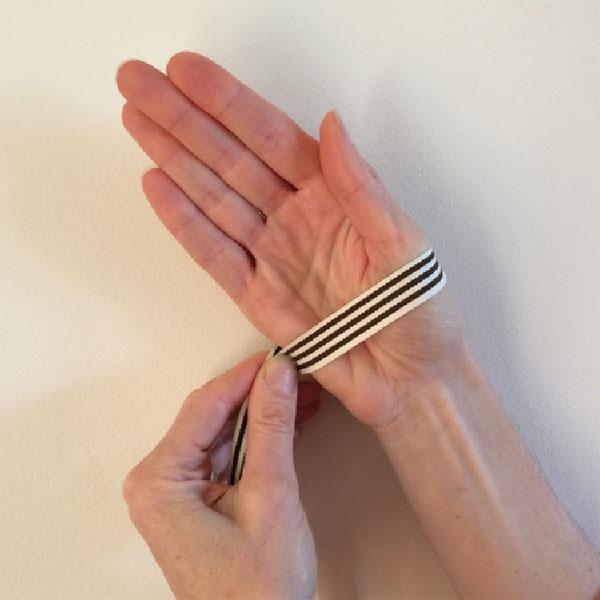 Hand size measurement.jpg