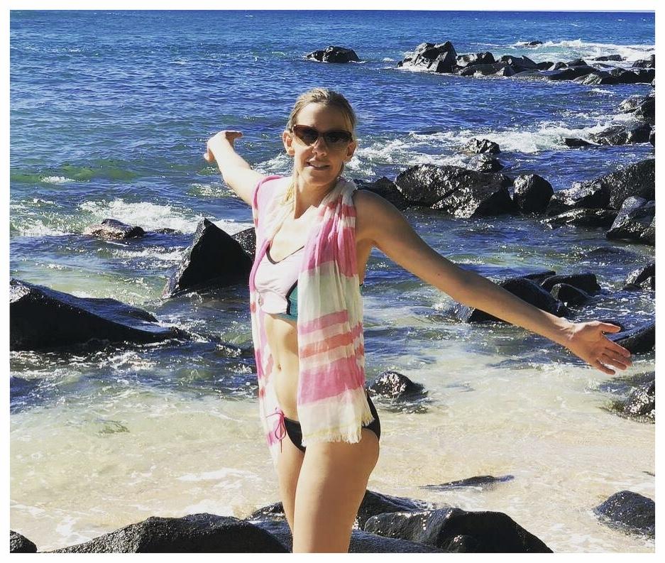 Jojo on Turtle Beach, Ohau Hawaii in the Linen Stripe Scarf from Mersur.
