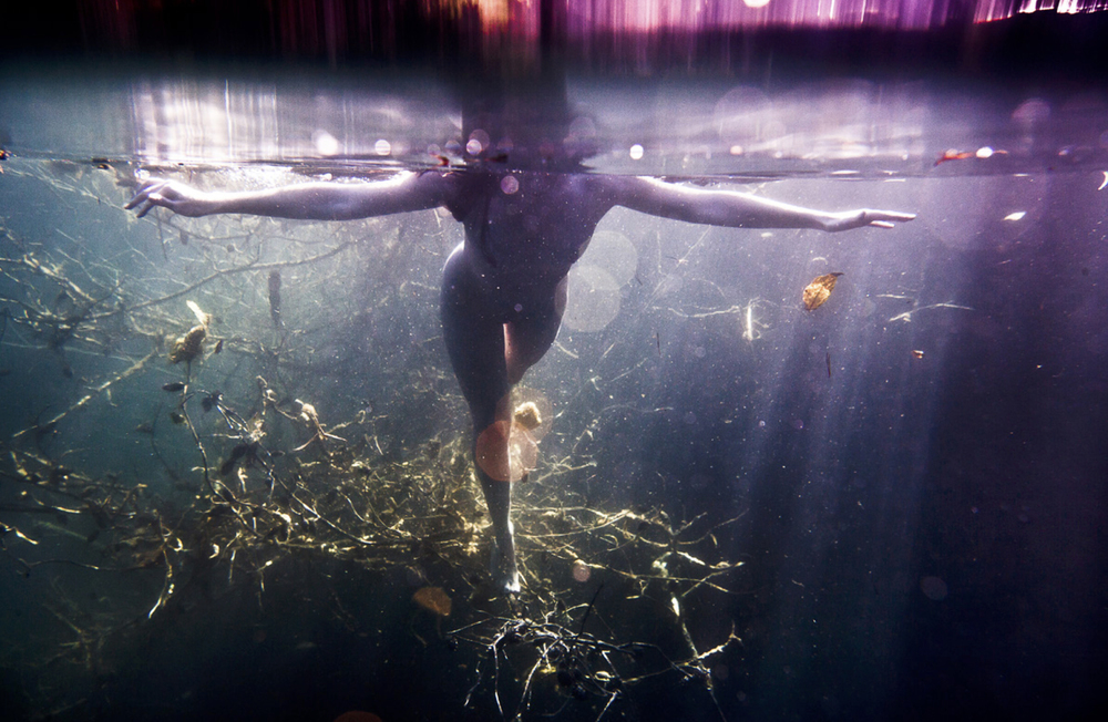EXCLUSIVE:  Underwater Nude is a Omni-Phantasmic series created by american photographer Neil Craver.    See more here.