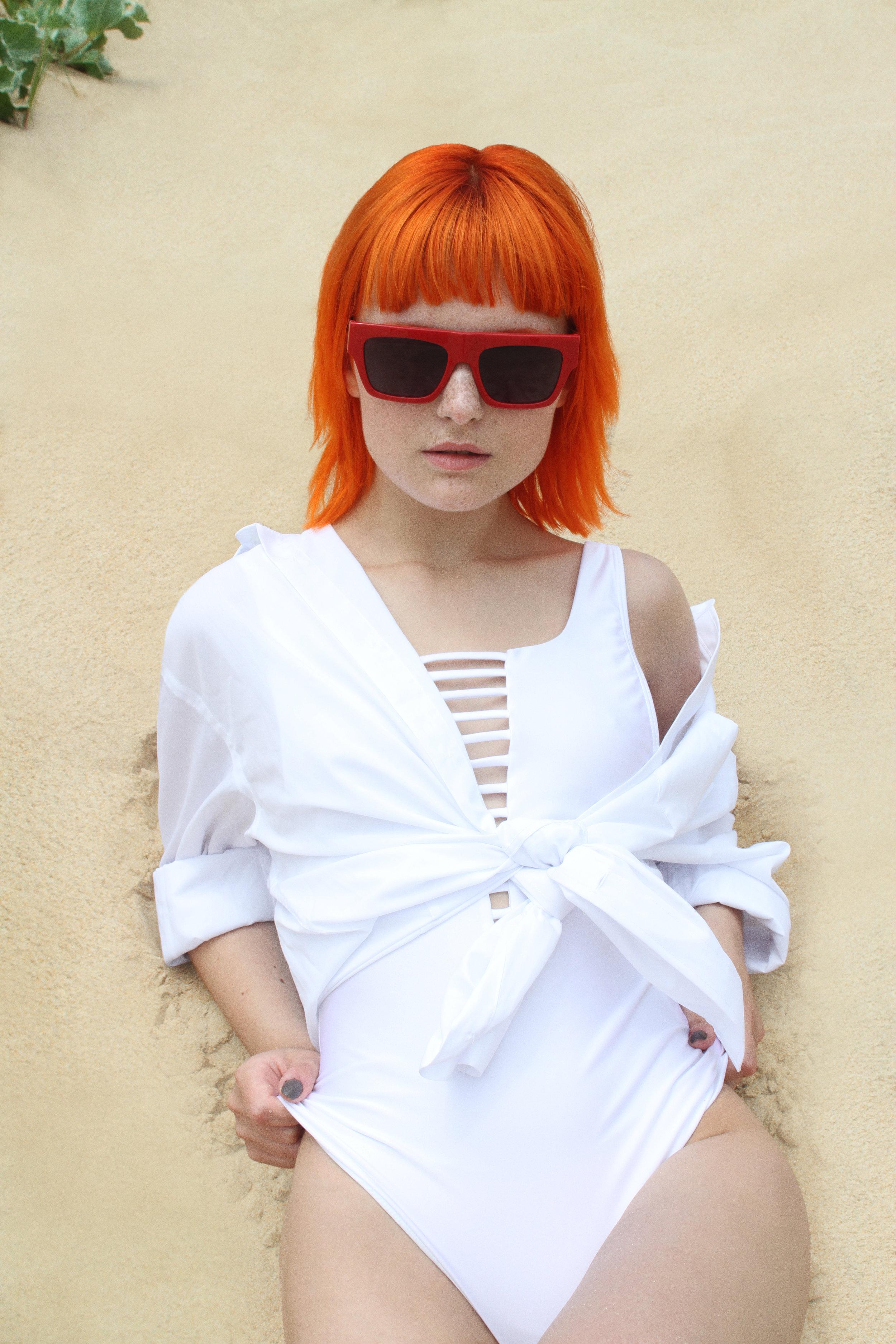 Shirt Primark, Bathing Suit Pull & Bear, Sunglasses Bimba y Lola