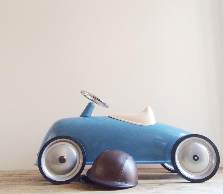 Blue+Ride-on+Racing+Car.jpg