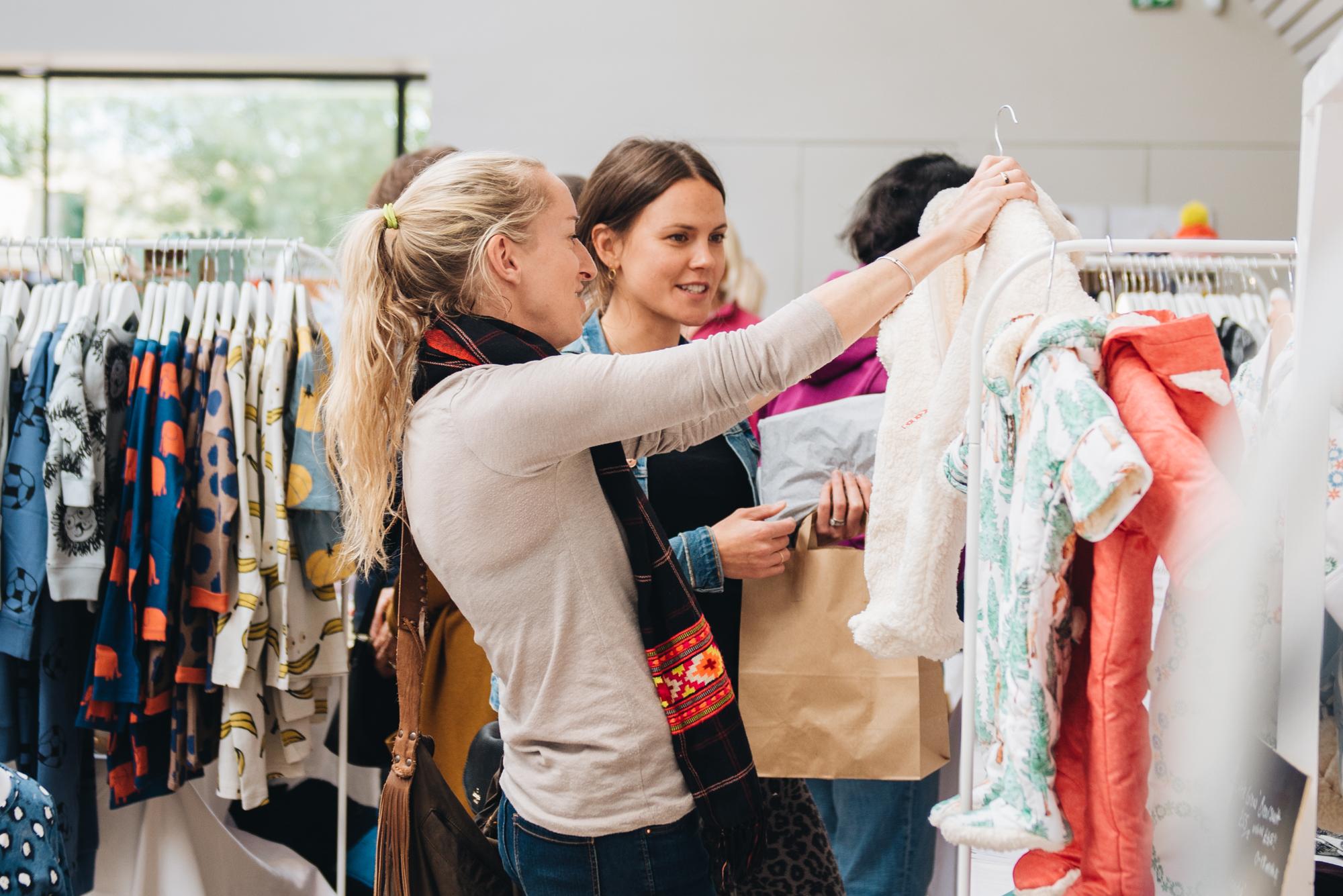 shoppers1.jpg