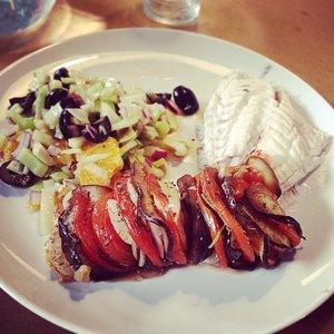 Cours_de_cuisine__ce_week-end____crossfitnivelles__Daurade_au_four_sur_tian_d_aubergines_et_tomates__et_salade_de_fenouil___l_orange._Vraiment_surprenante_cette_salade_de_fenouil__d_licieuse_et_tr_s_rafra_chissante____Pal_o__Ofood__ownfood_.jpg