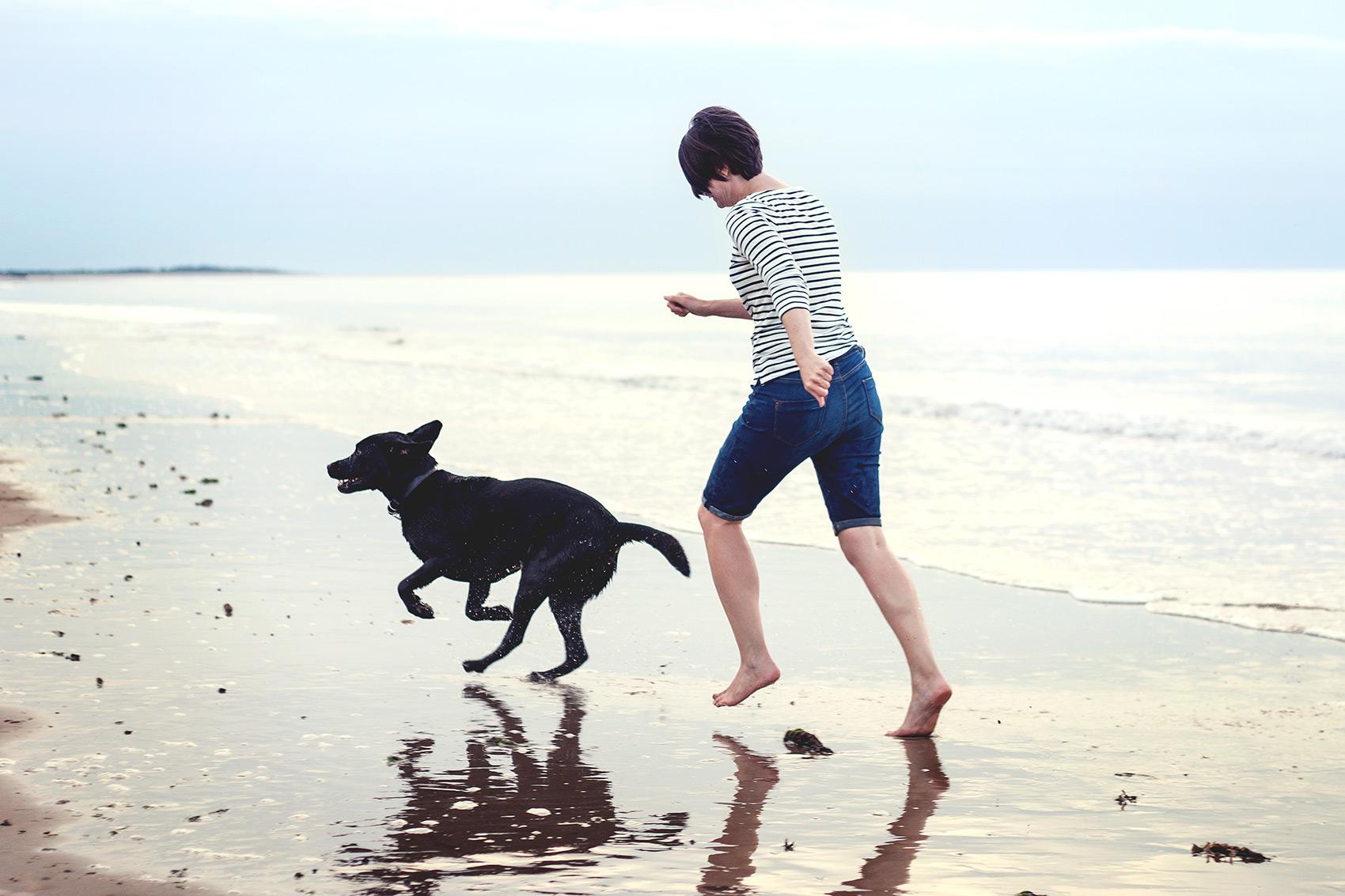 © Esther Wild Photographer, Family Beach Photography Session, Brancaster, Norfolk, UK.
