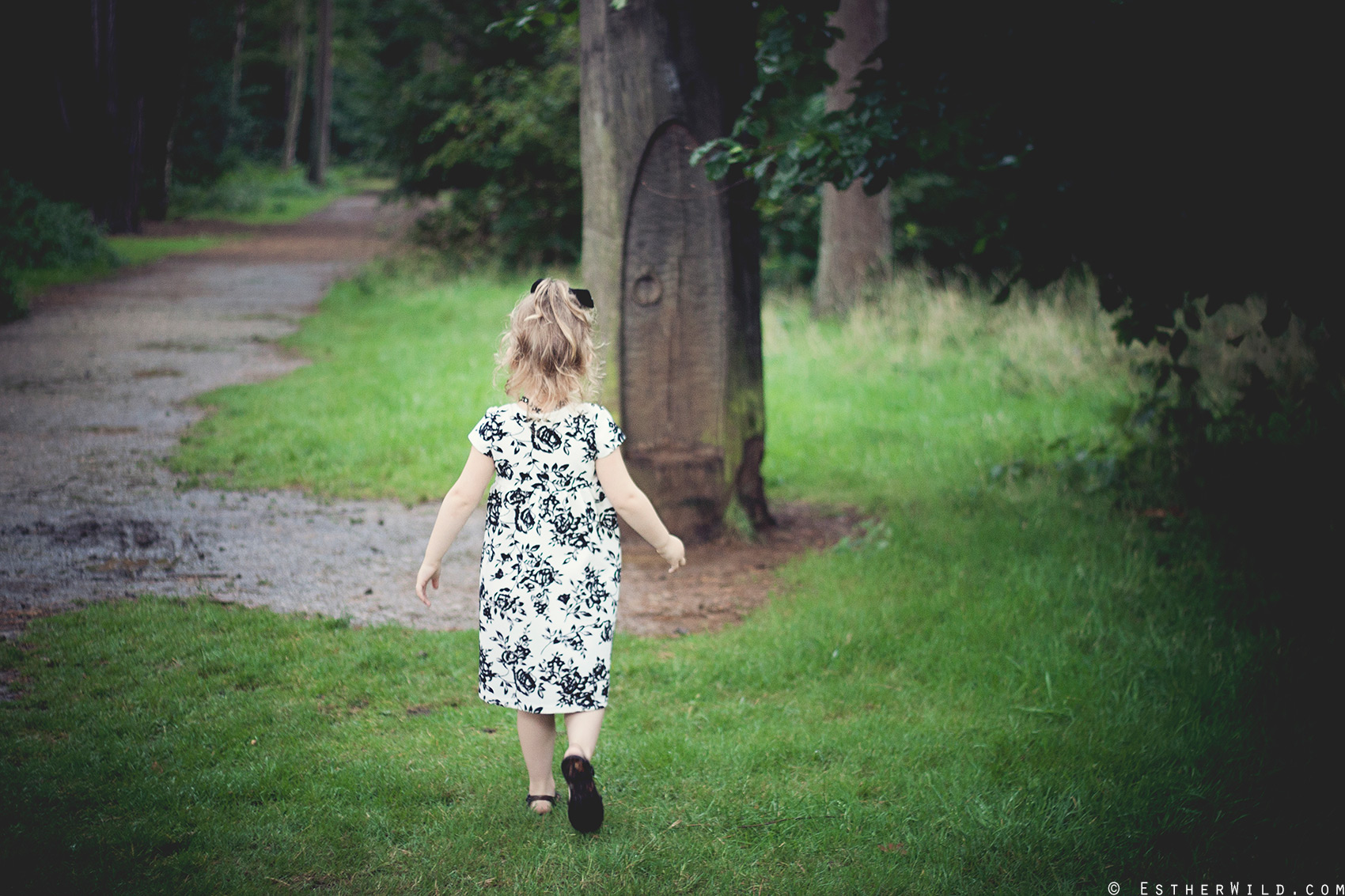 © Esther Wild Photographer, Kings Lynn and West Norfolk UK. Family / Childrens Outdoor Photography in Sandringham.