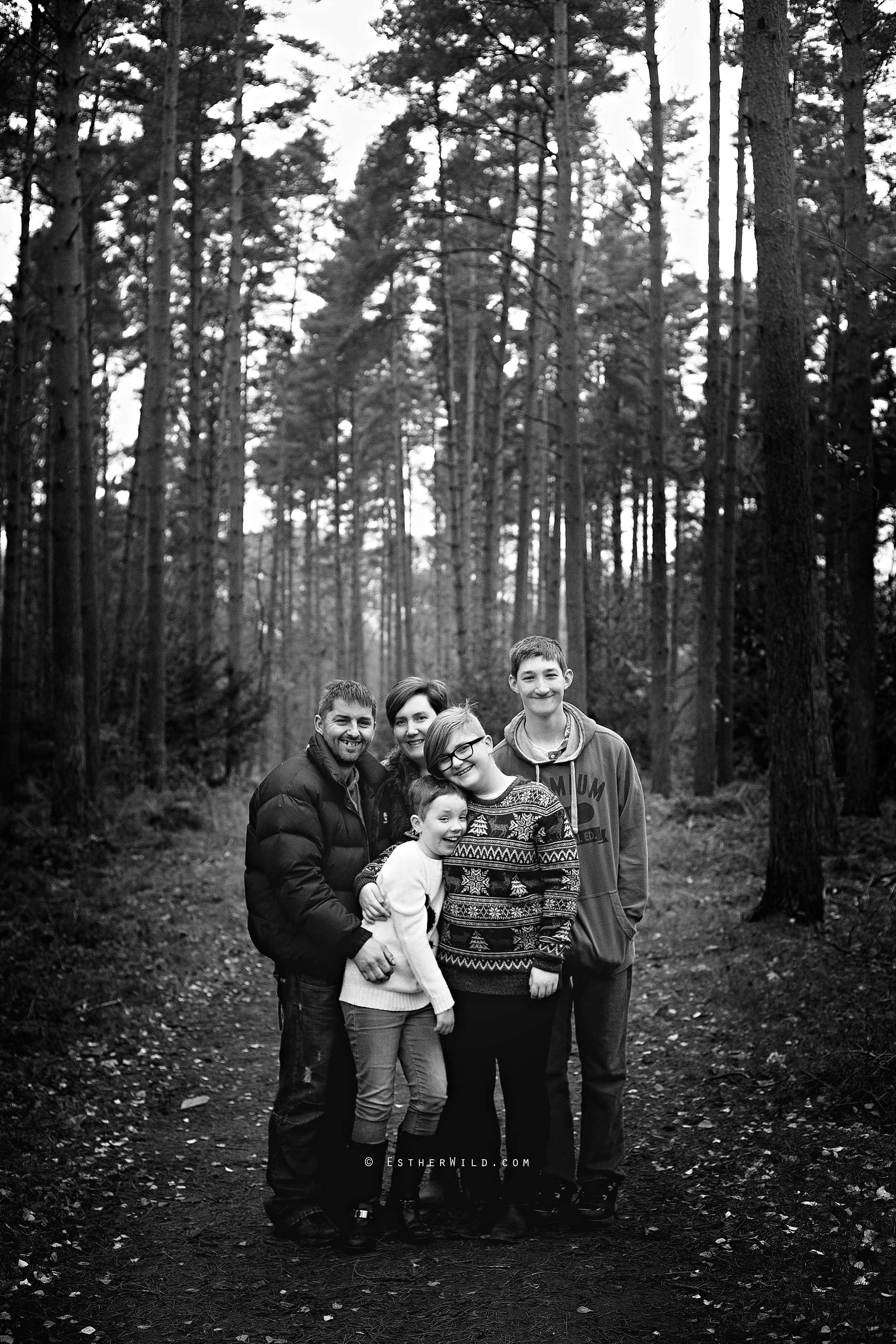 © Esther Wild Photographer, Kings Lynn, Norfolk. Sandringham Family Session for Christmas.