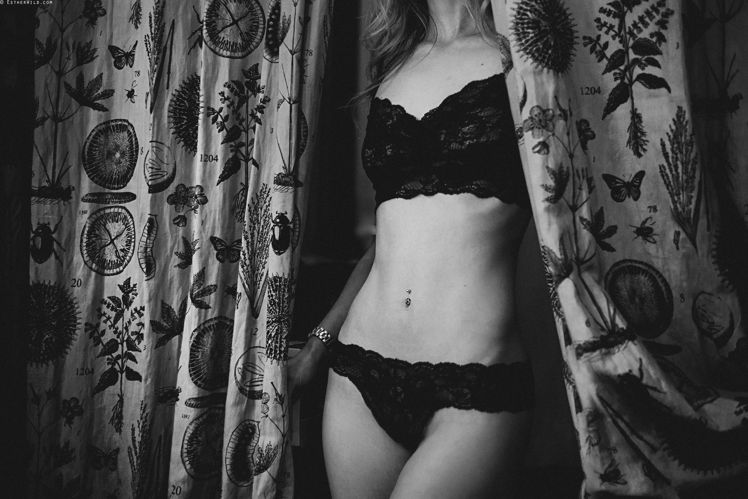 © Esther WIld Photographer, Kings Lynn Boudoir in Archers Kitchen