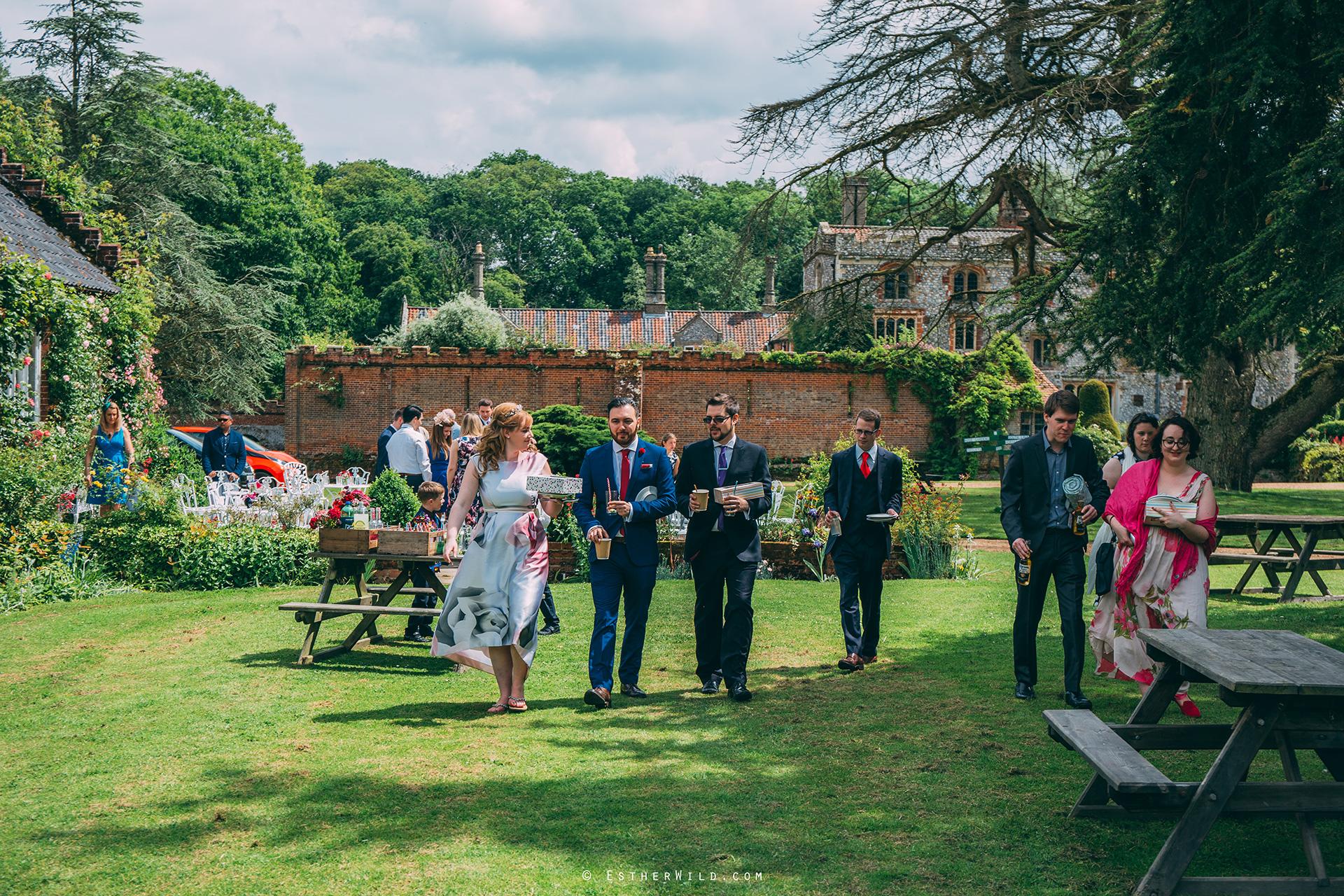 Norfolk_Wedding_Photographer_Mannington_Hall_Country_Esther_Wild_0432.jpg