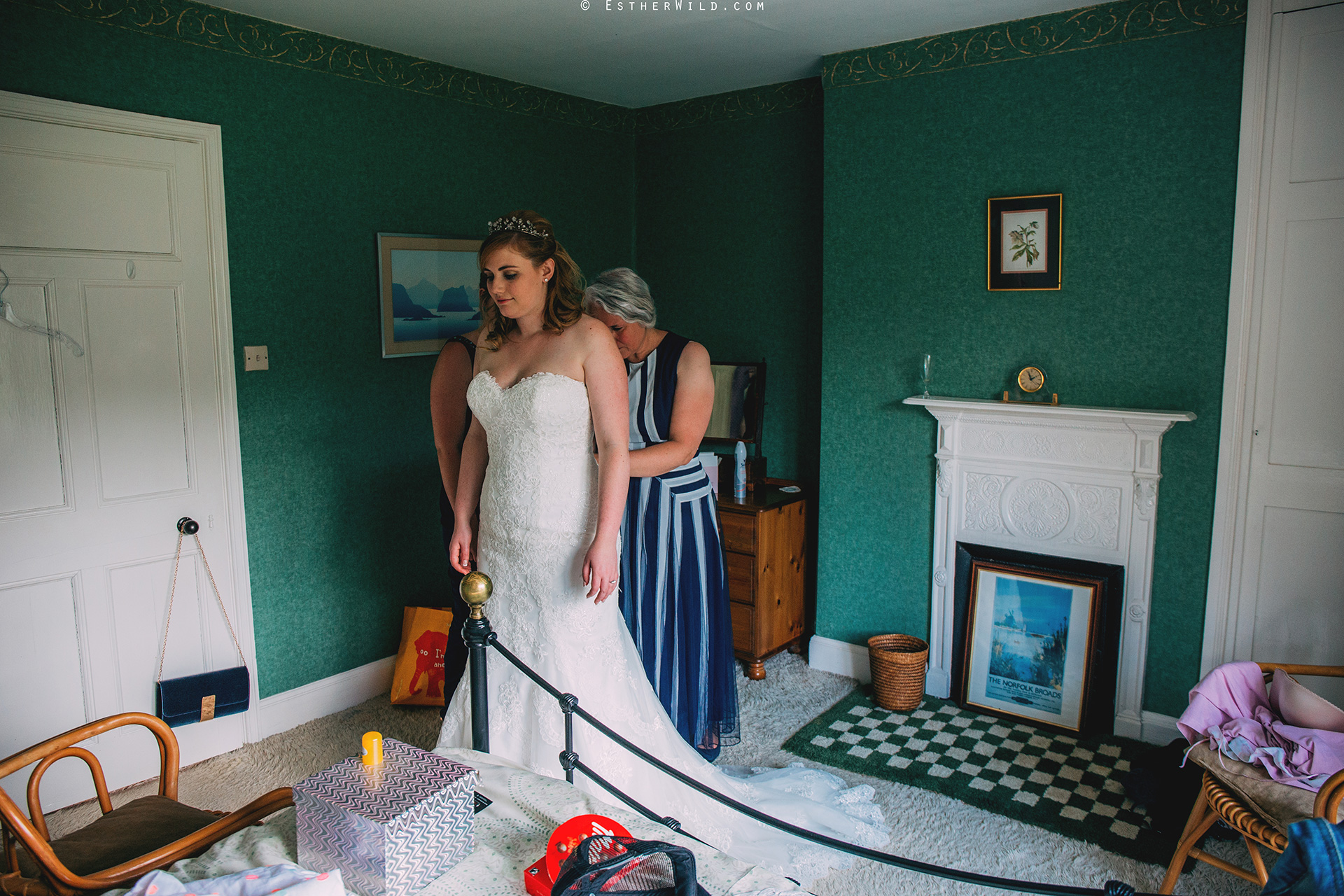 Norfolk_Wedding_Photographer_Mannington_Hall_Country_Esther_Wild_0788.jpg