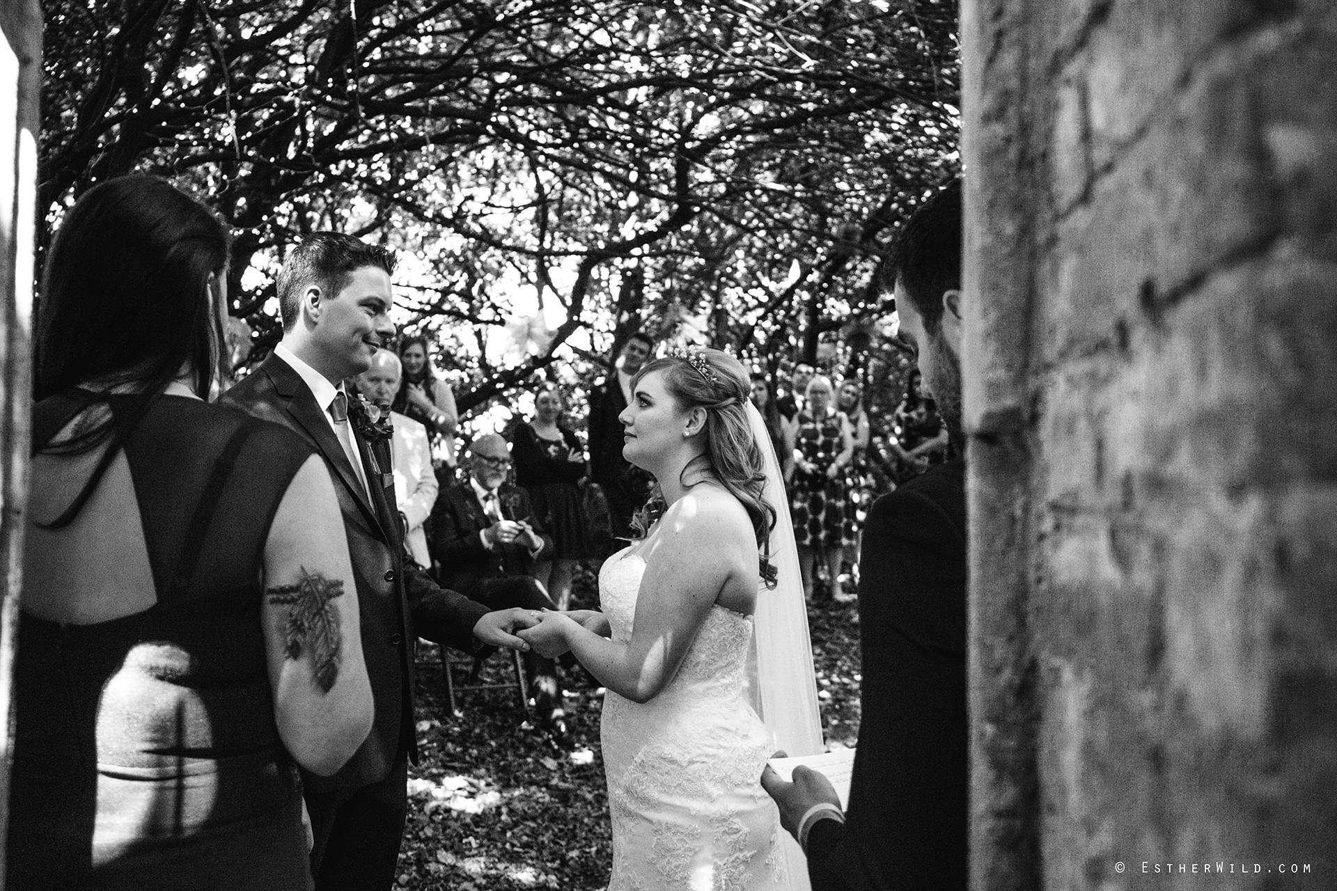 Norfolk_Wedding_Photographer_Mannington_Hall_Country_Esther_Wild_1028-1.jpg