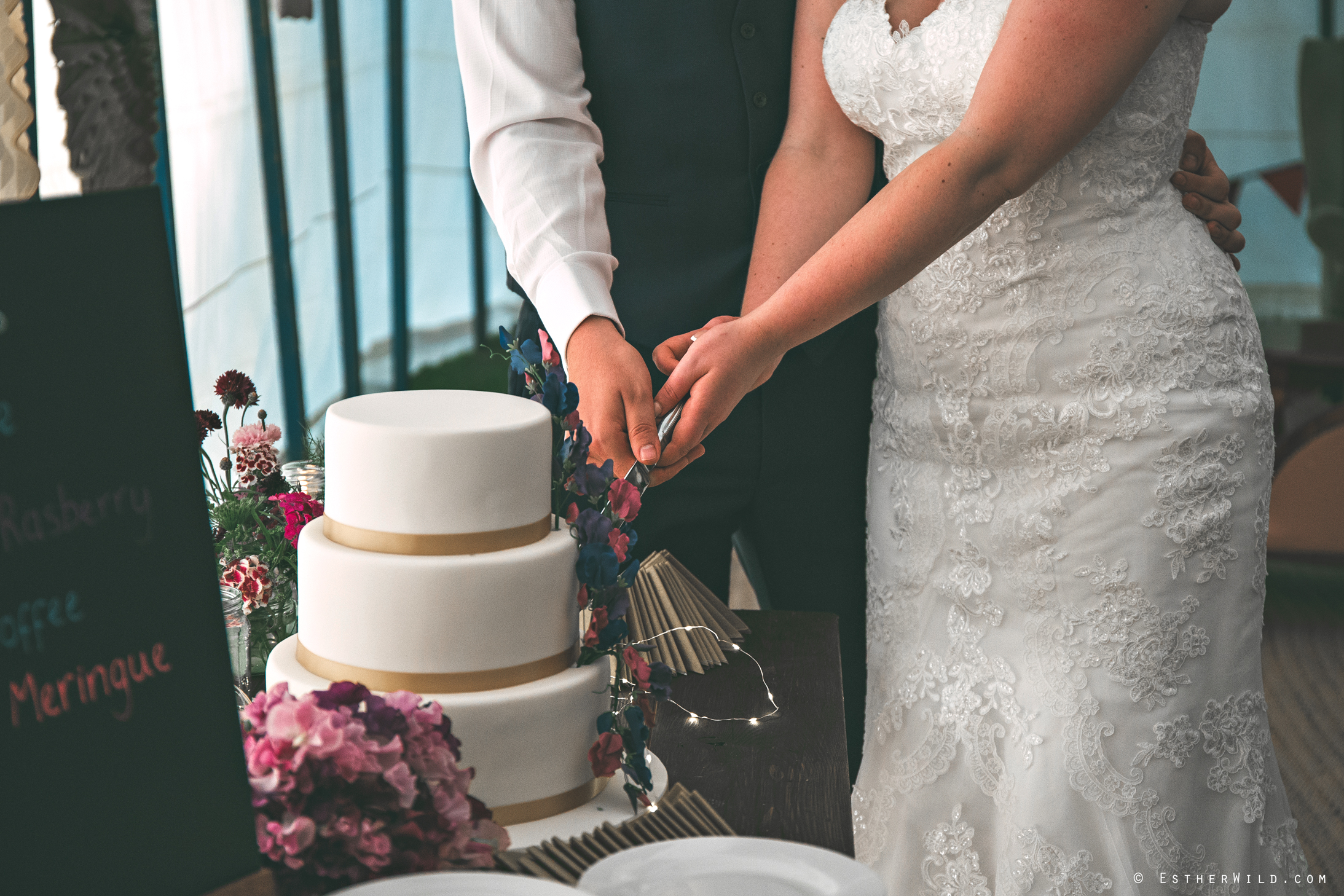 Norfolk_Wedding_Photographer_Mannington_Hall_Country_Esther_Wild_2396.jpg