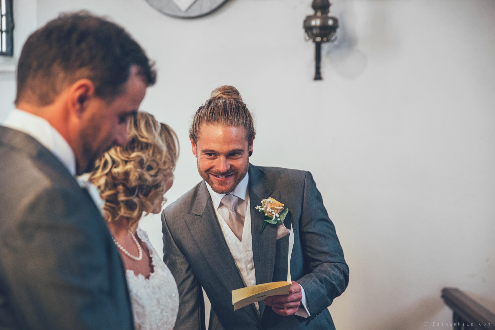 Norfolk_Wedding_Photographer_East_Lexham_RathskellarIMG_0400.jpg