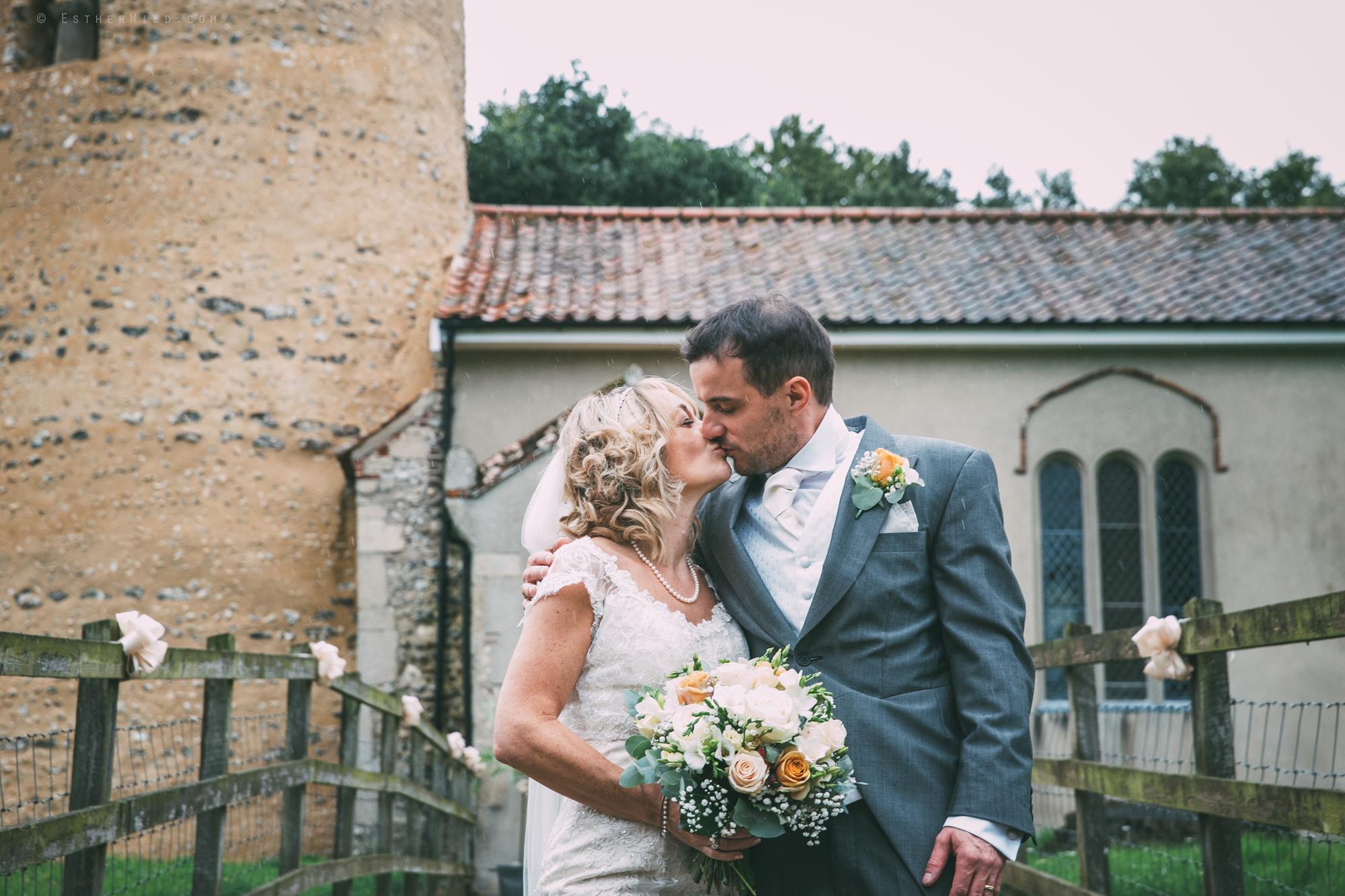 Norfolk_Wedding_Photographer_East_Lexham_RathskellarIMG_0852.jpg