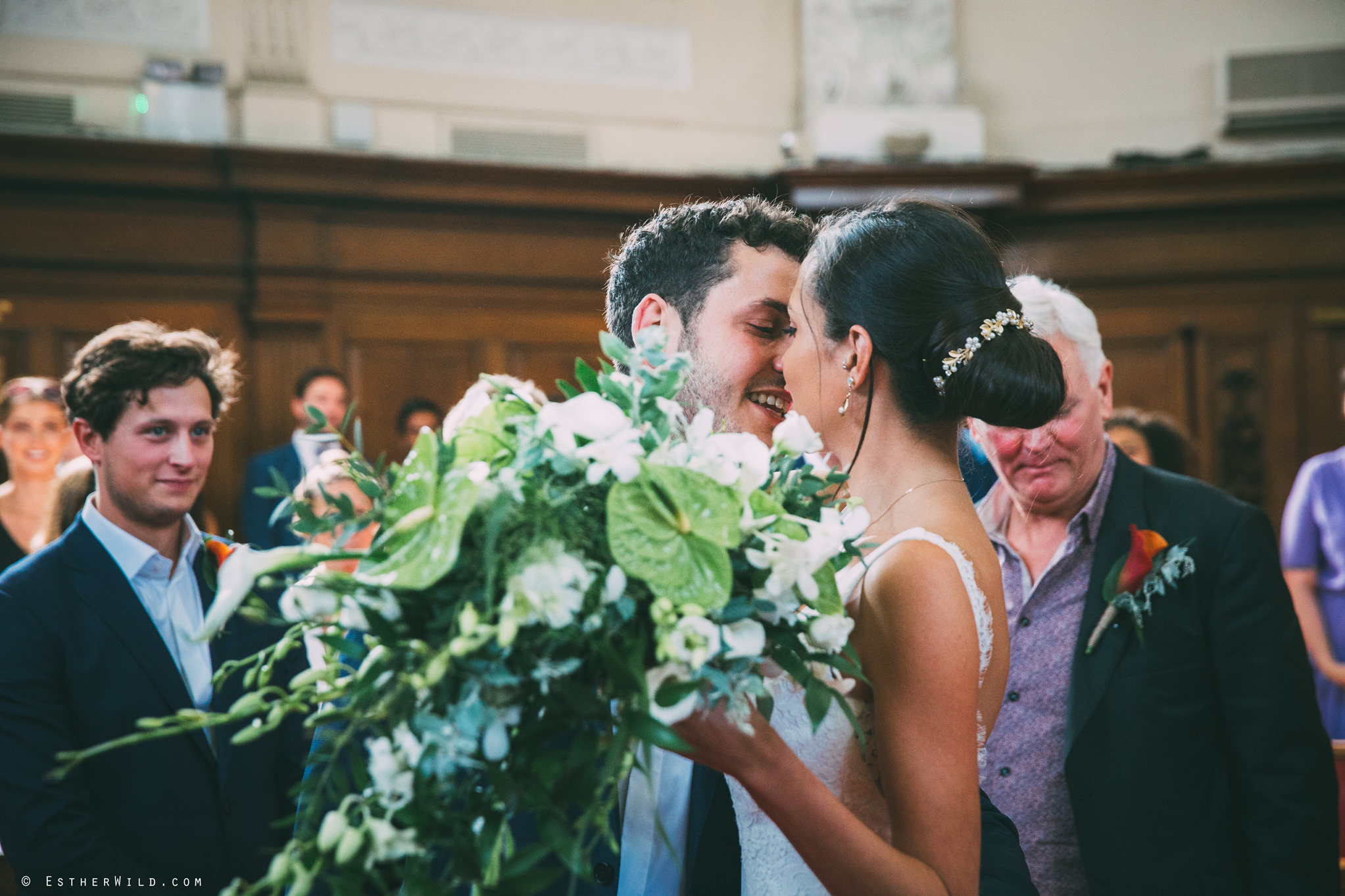 Islington_Town_Hall_Wedding_London_Photographer_Esther_Wild_IMG_4807.jpg