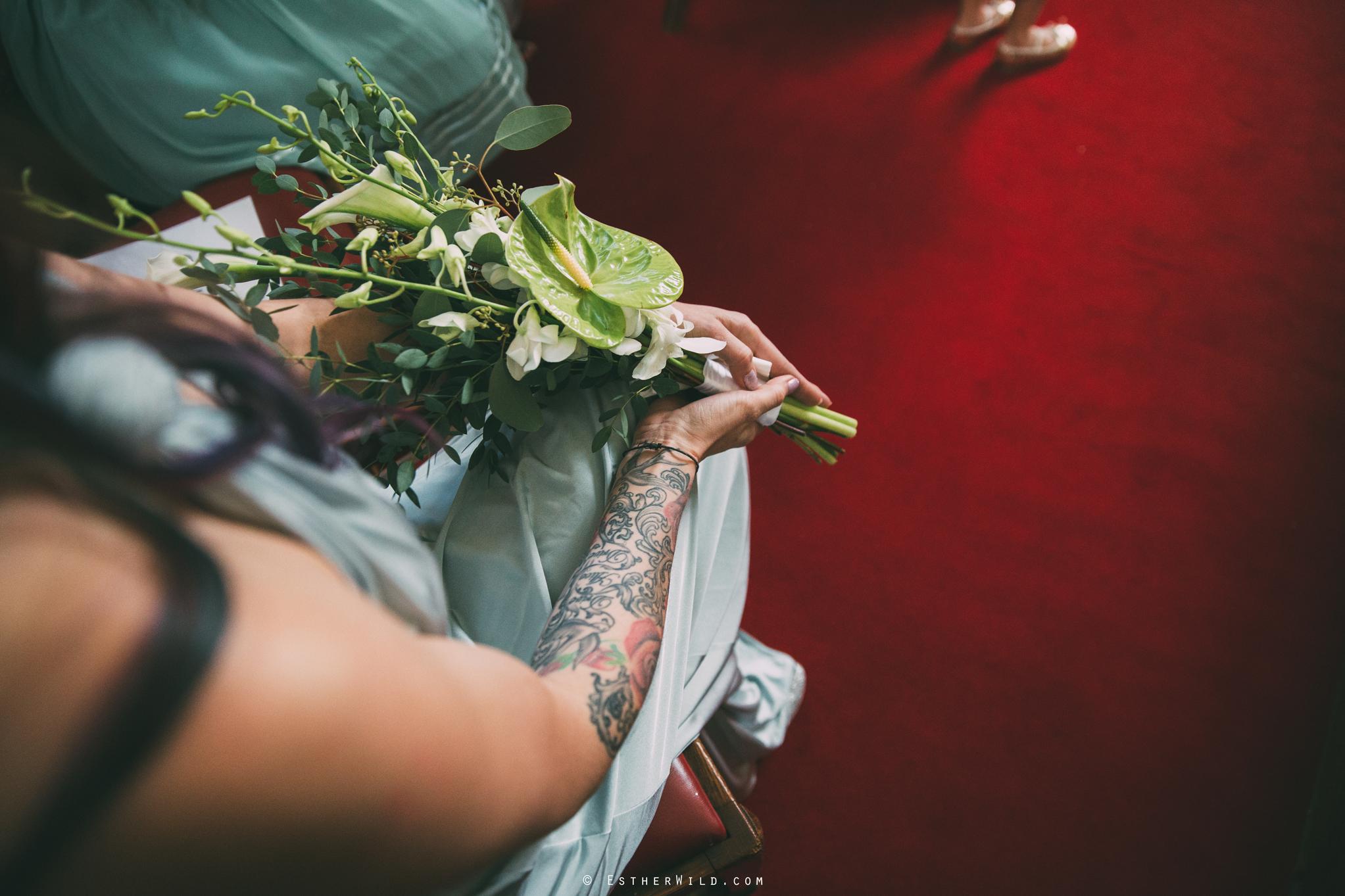 Islington_Town_Hall_Wedding_London_Photographer_Esther_Wild_IMG_5025.jpg