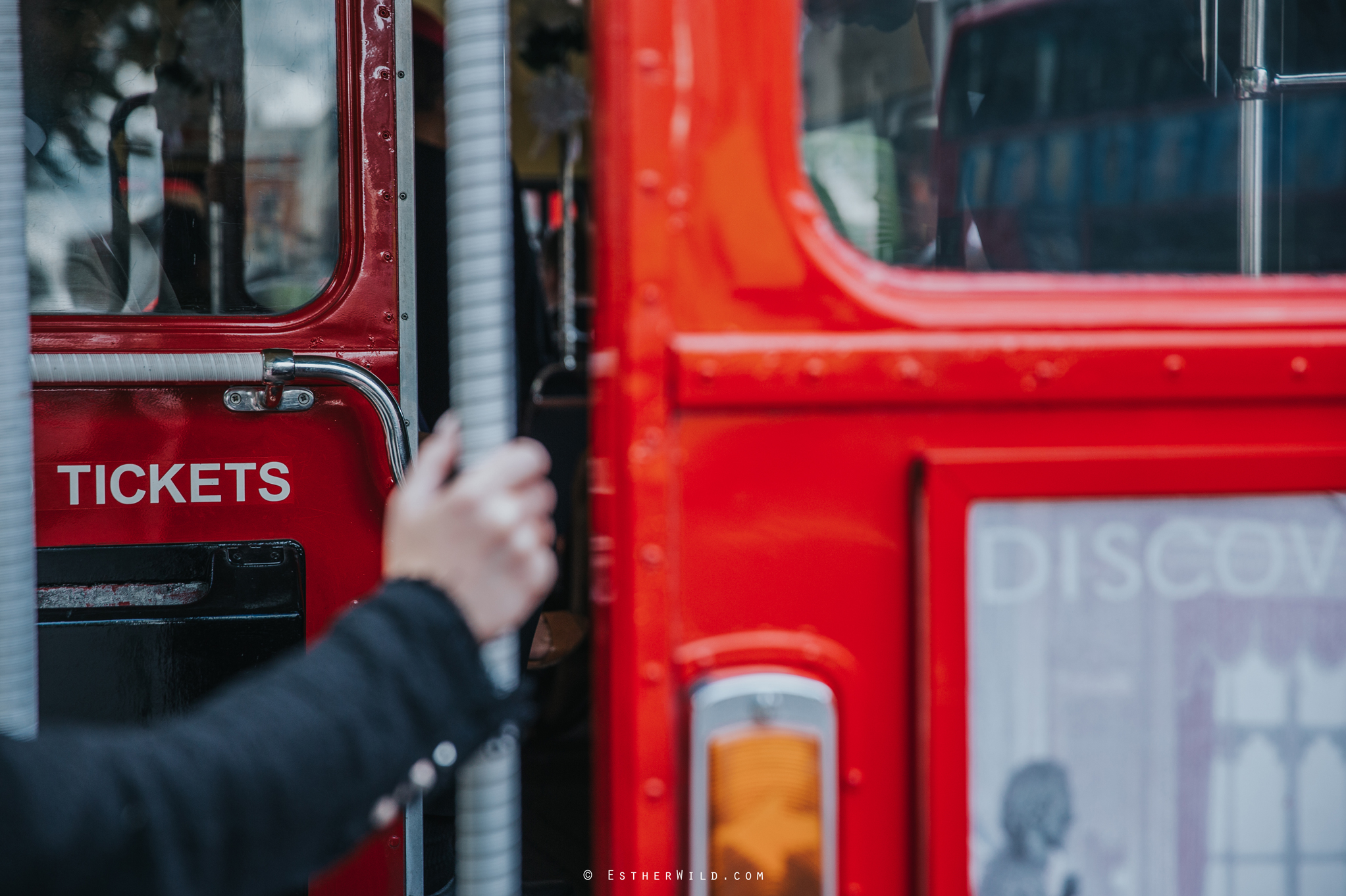 Islington_Town_Hall_Wedding_London_Photographer_Esther_Wild_IMG_5374.jpg