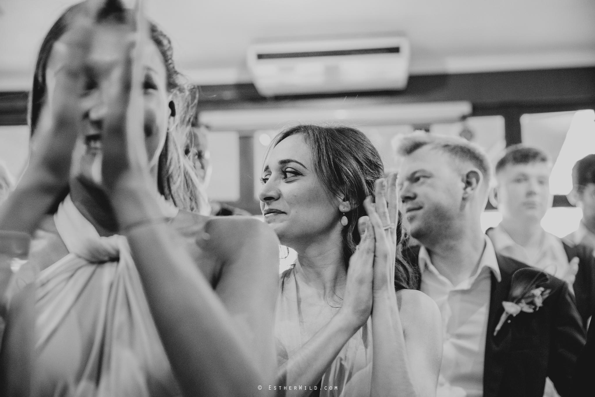Islington_Town_Hall_Wedding_London_Photographer_Esther_Wild_IMG_5910-1.jpg