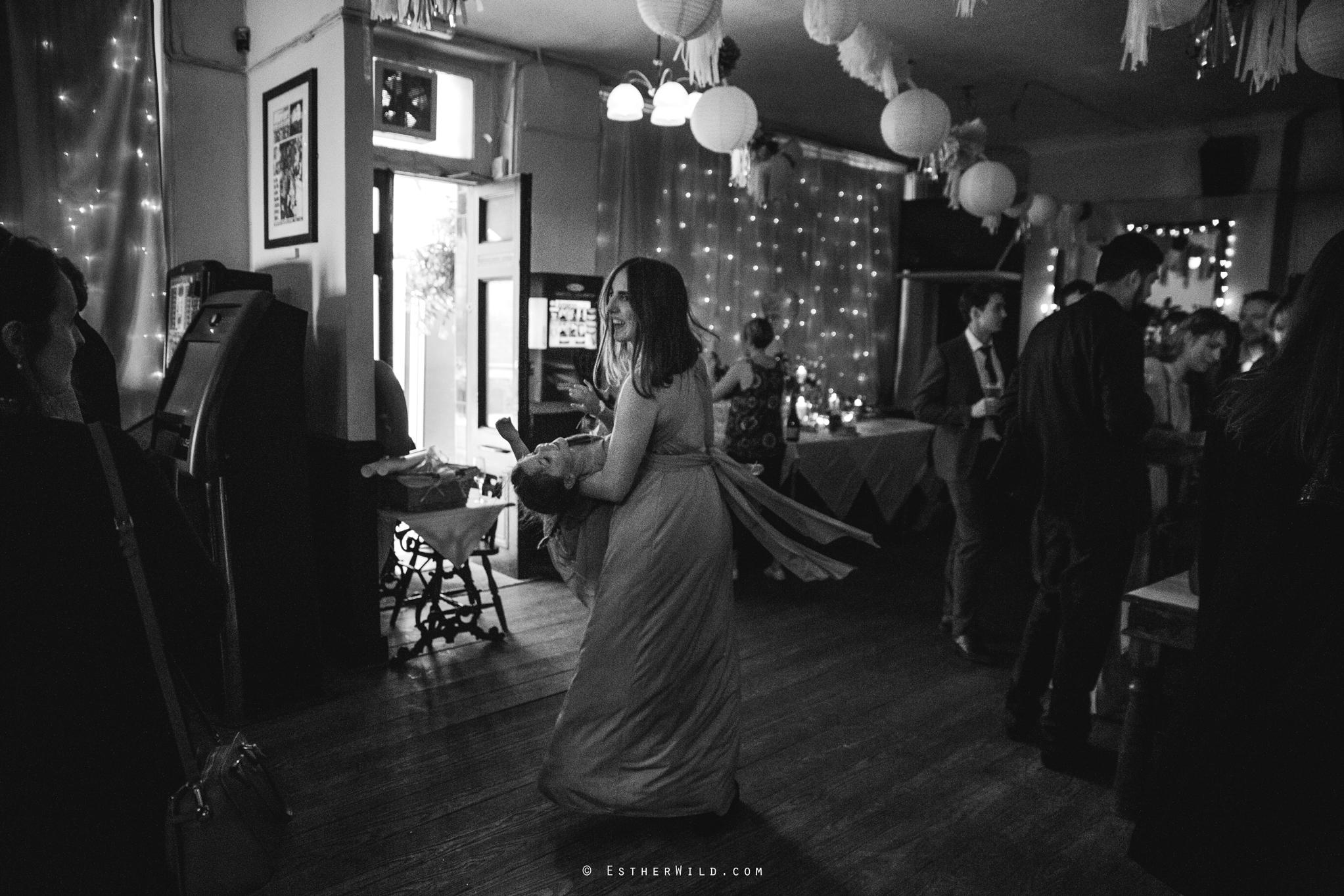 Islington_Town_Hall_Wedding_London_Photographer_Esther_Wild_IMG_7300-1.jpg