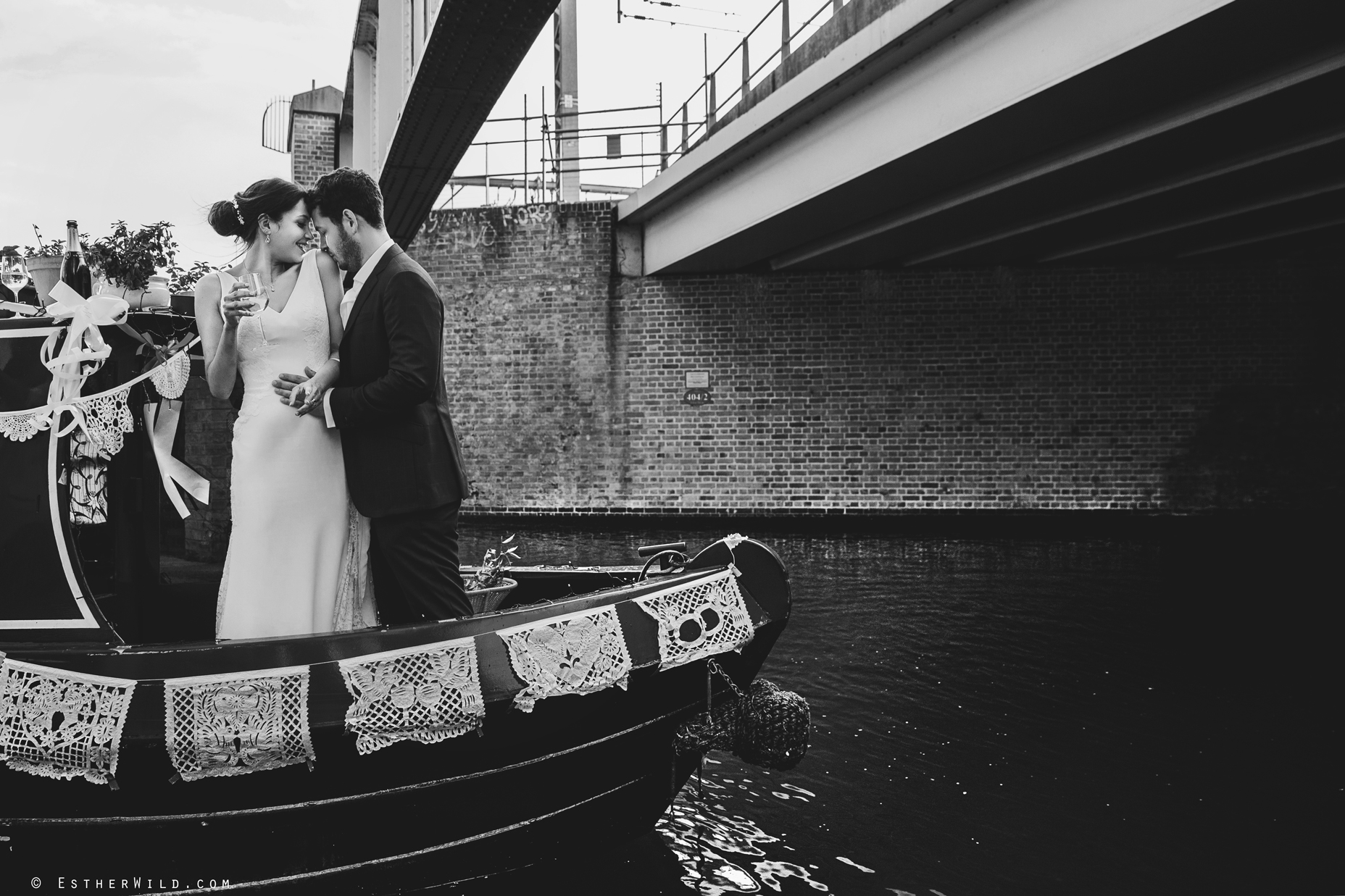 Islington_Town_Hall_Wedding_London_Photographer_Esther_Wild_IMG_6827-2.jpg
