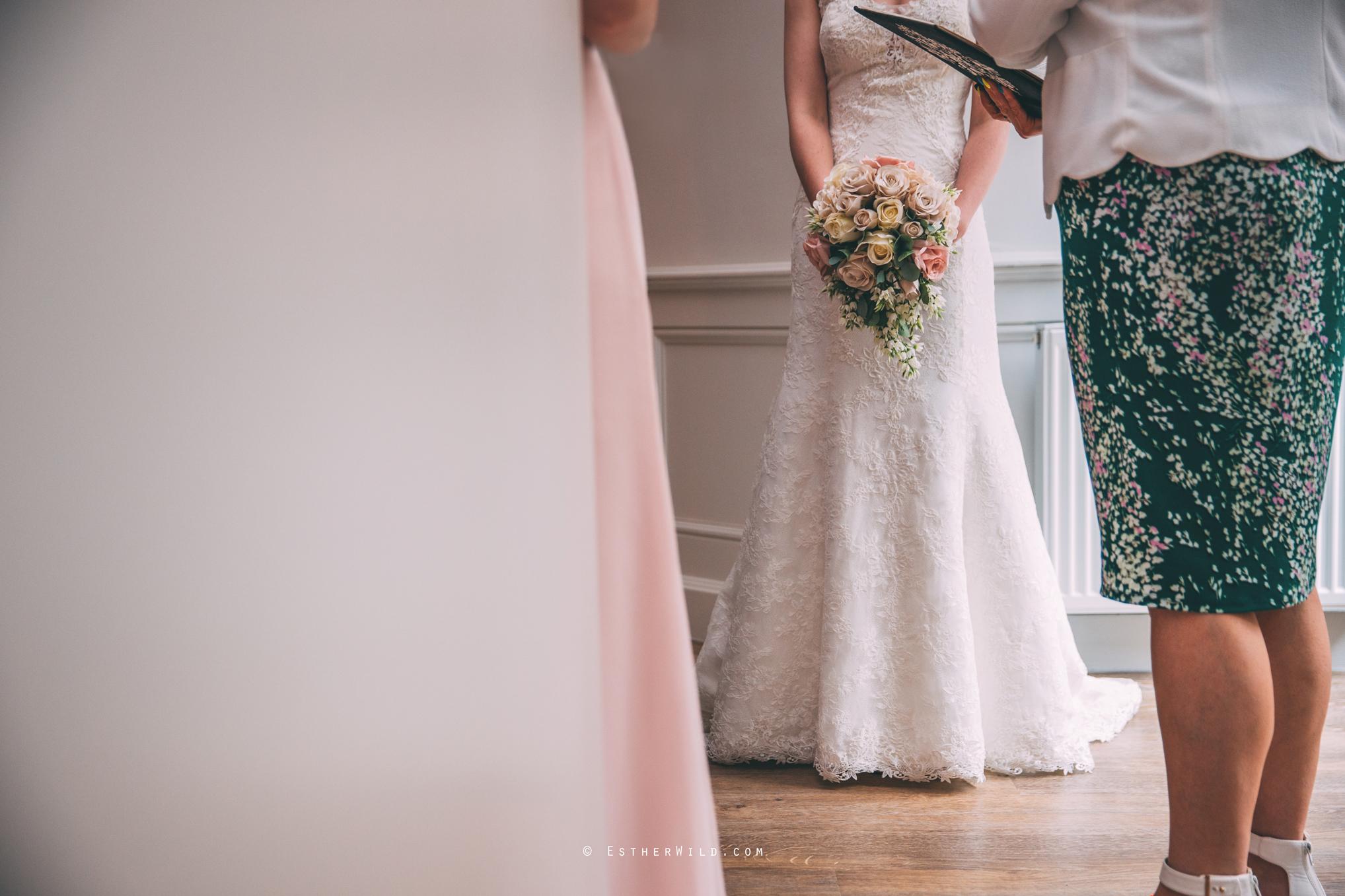 0817_Holiday_Inn_Norwich_Wedding_Photography_Esther_Wild_IMG_0300.jpg