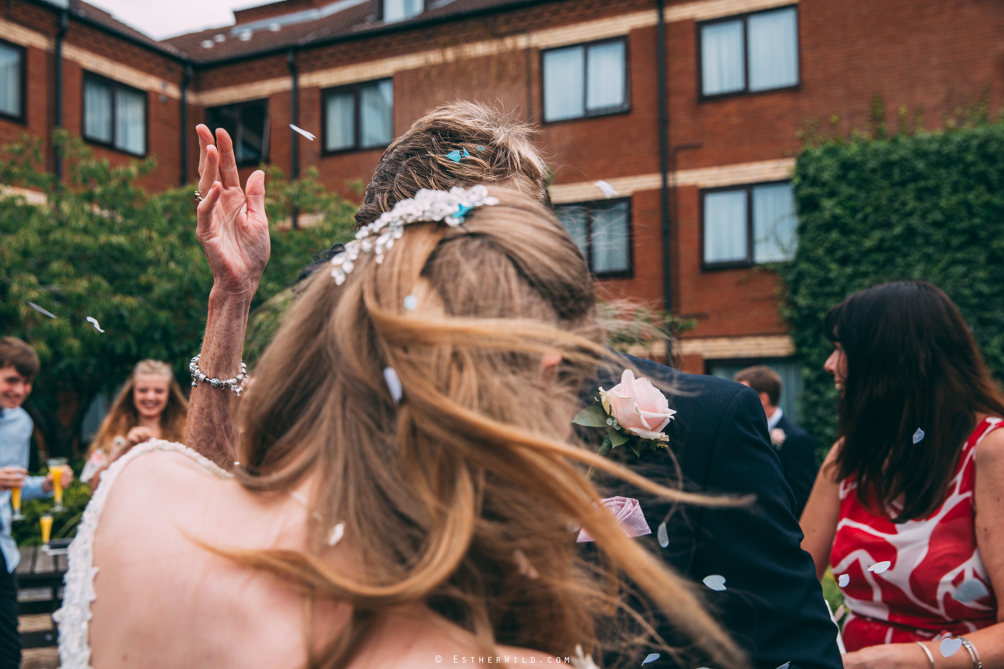 0817_Holiday_Inn_Norwich_Wedding_Photography_Esther_Wild_IMG_0578.jpg