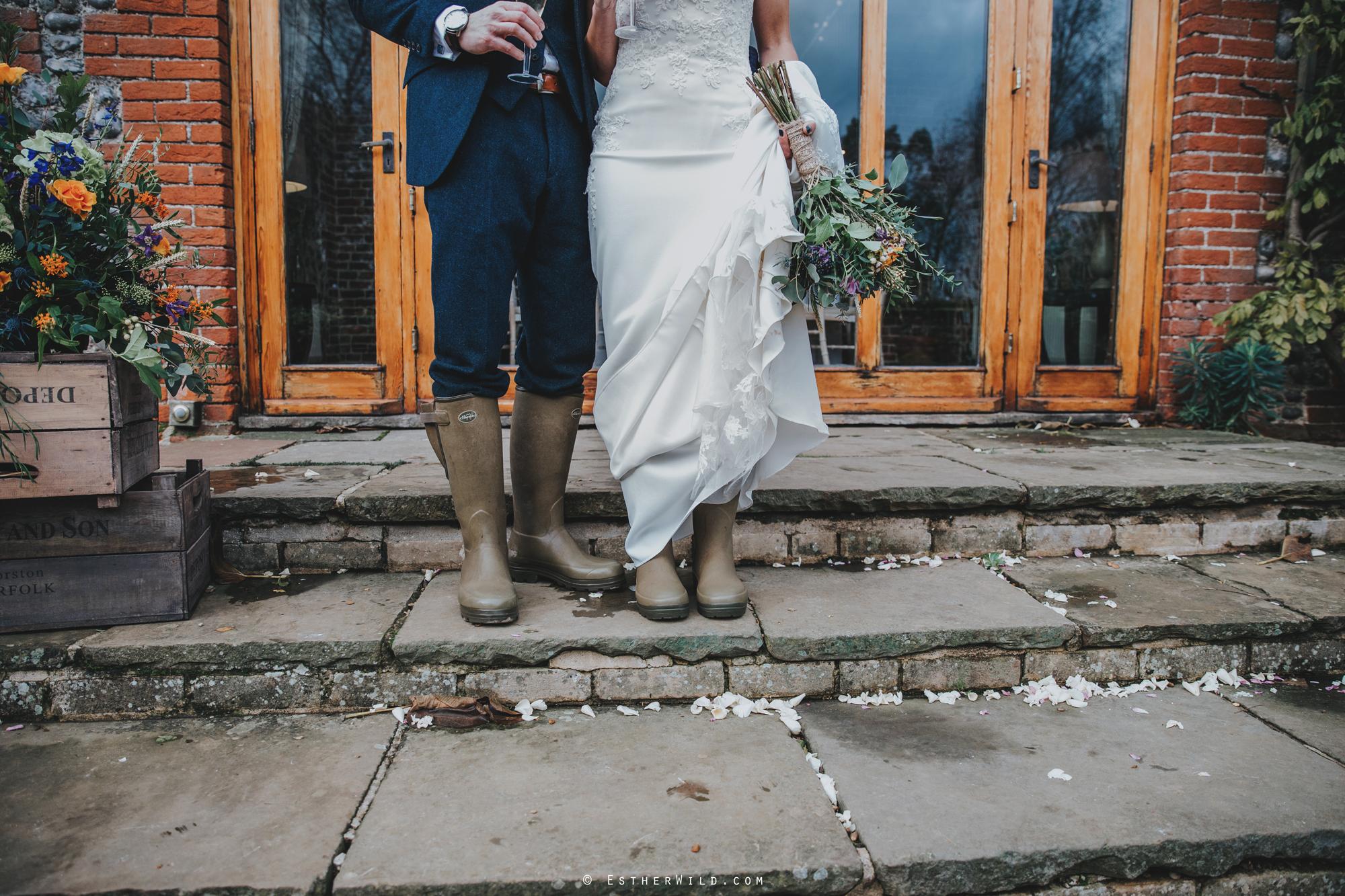 1117_Chaucer_Barn_Wedding_Photography_Esther_Wild_Norfolk_Photographer_IMG_0951.jpg