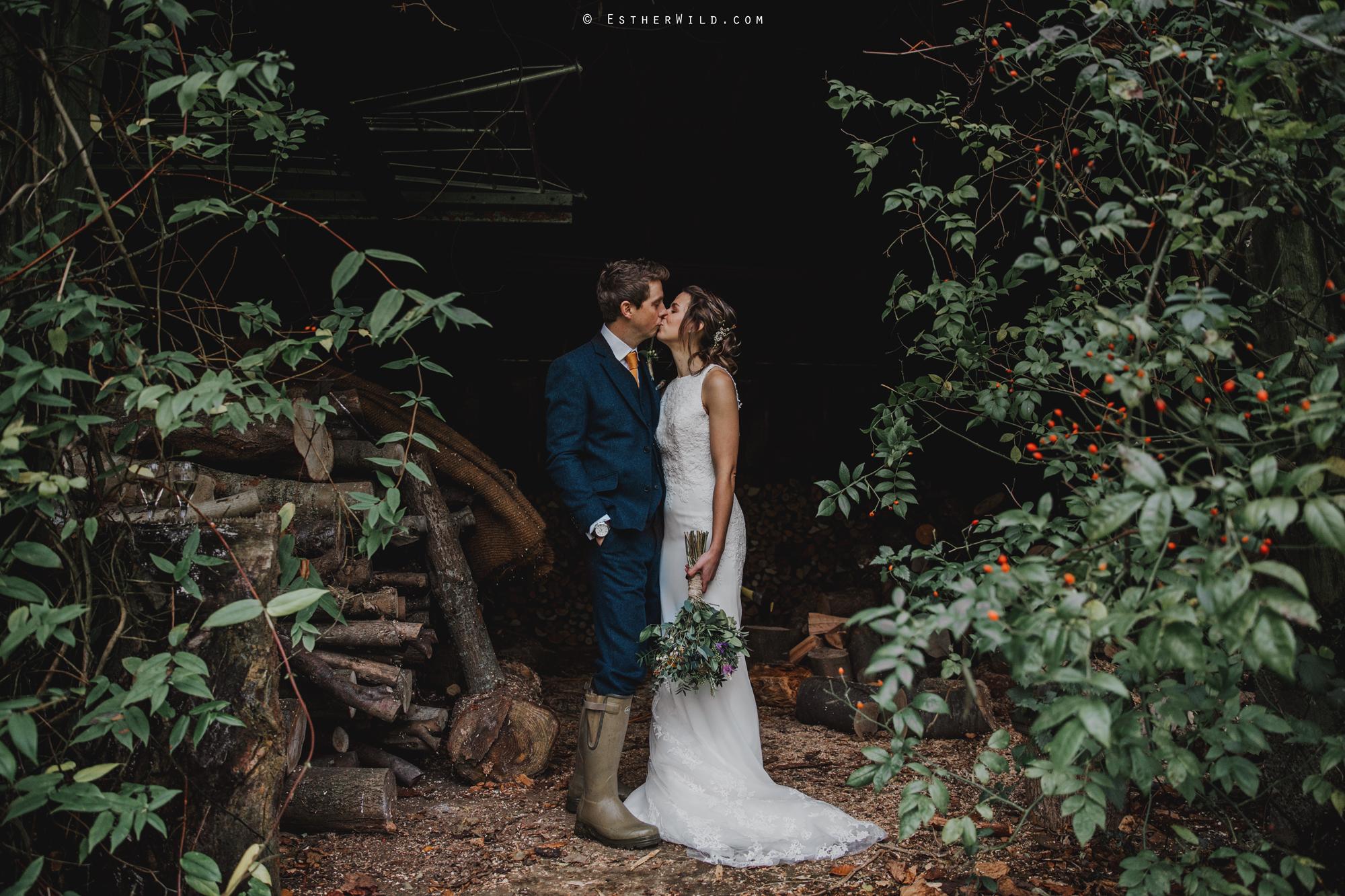 1117_Chaucer_Barn_Wedding_Photography_Esther_Wild_Norfolk_Photographer_IMG_1275.jpg