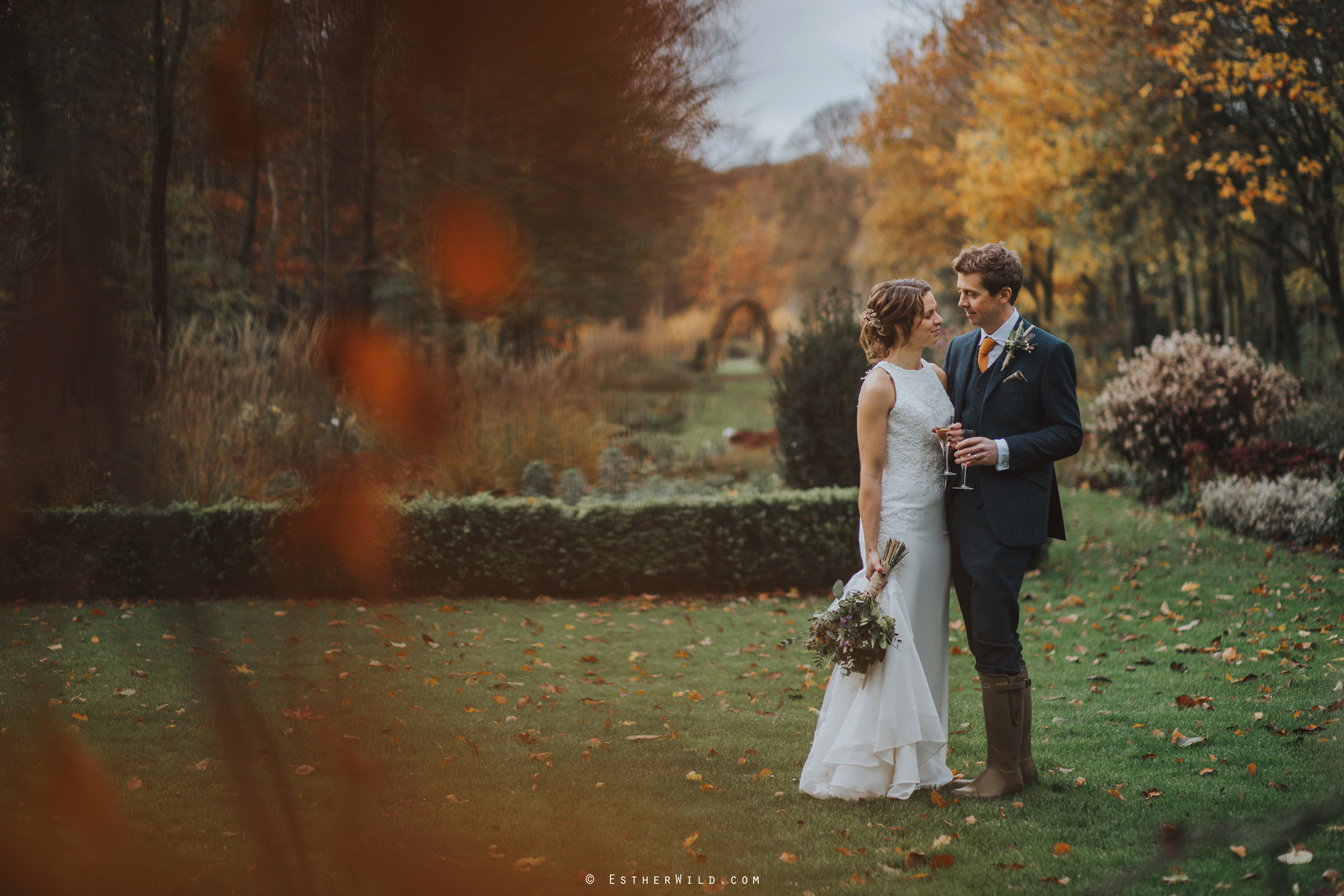 Wedding_Photographer_Chaucer_Barn_Holt_Norfolk_Country_Rustic_Venue_Copyright_Esther_Wild_