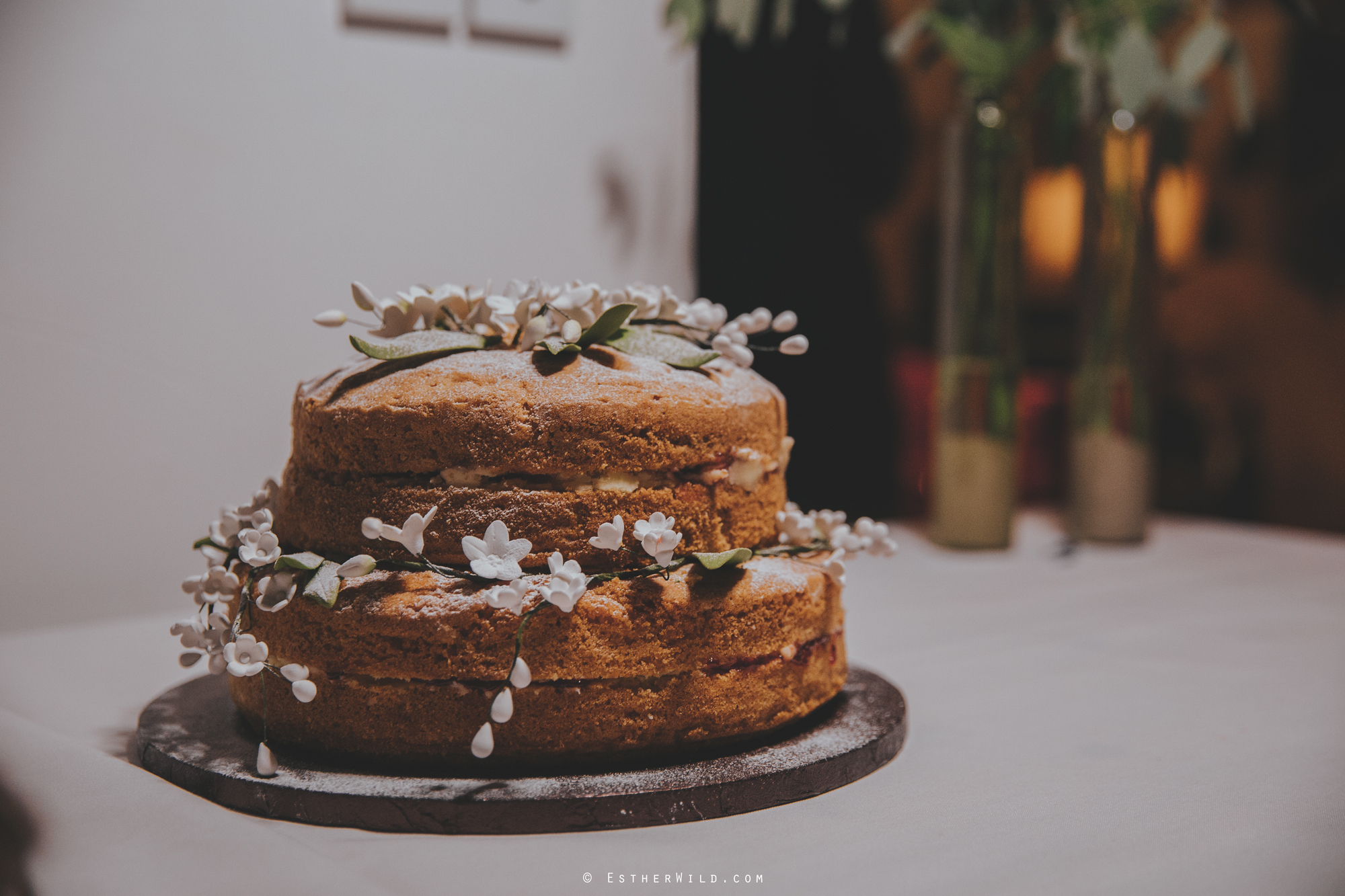 Wedding_Photographer_Chaucer_Barn_Holt_Norfolk_Country_Rustic_Venue_Copyright_Esther_Wild_IMG_2084.jpg