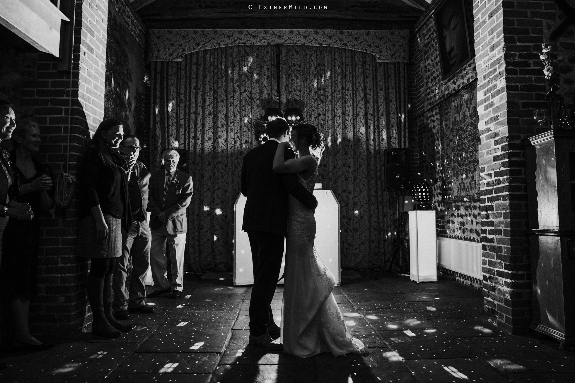 Wedding_Photographer_Chaucer_Barn_Holt_Norfolk_Country_Rustic_Venue_Copyright_Esther_Wild_IMG_2352.jpg