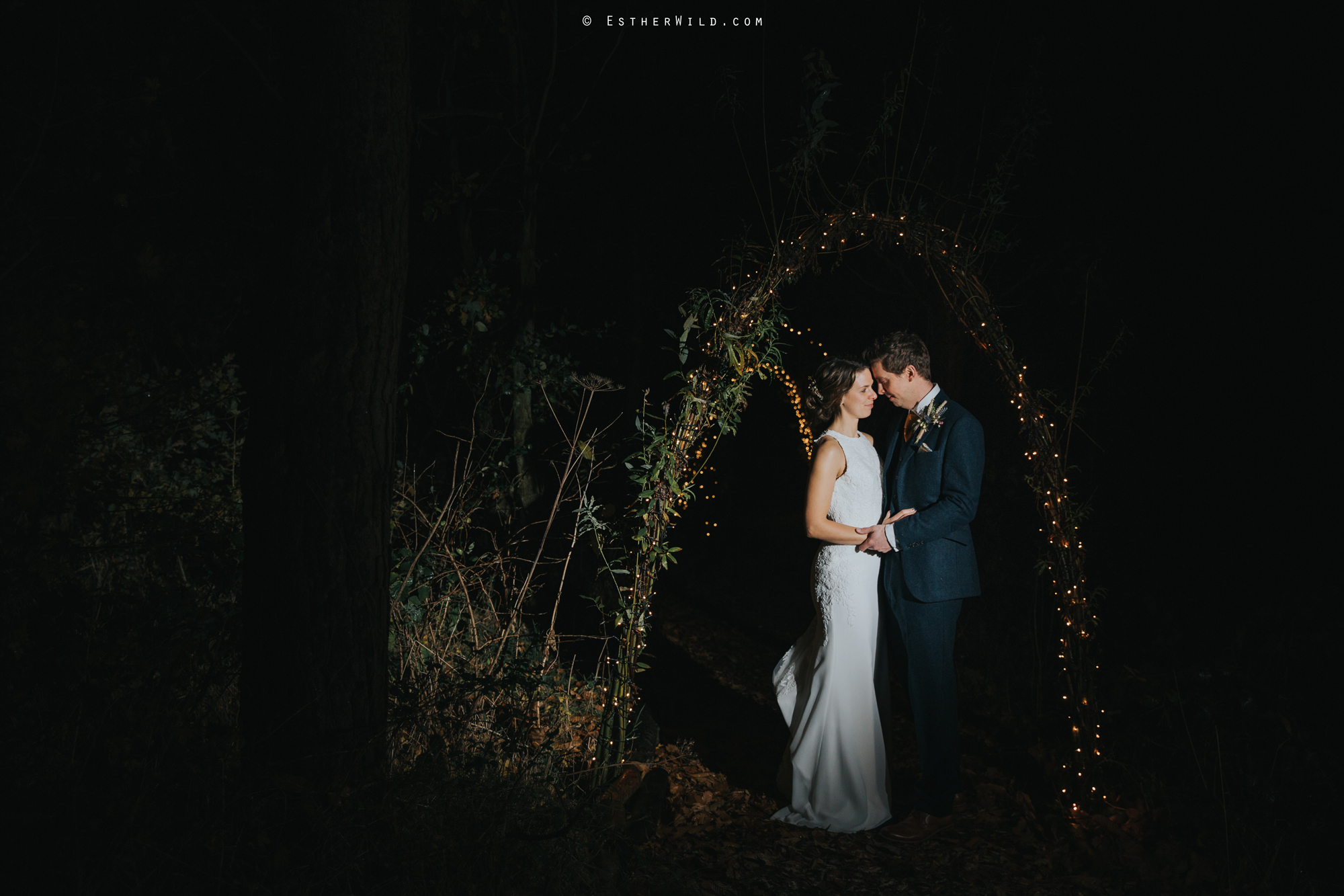 Wedding_Photographer_Chaucer_Barn_Holt_Norfolk_Country_Rustic_Venue_Copyright_Esther_Wild_IMG_2518.jpg