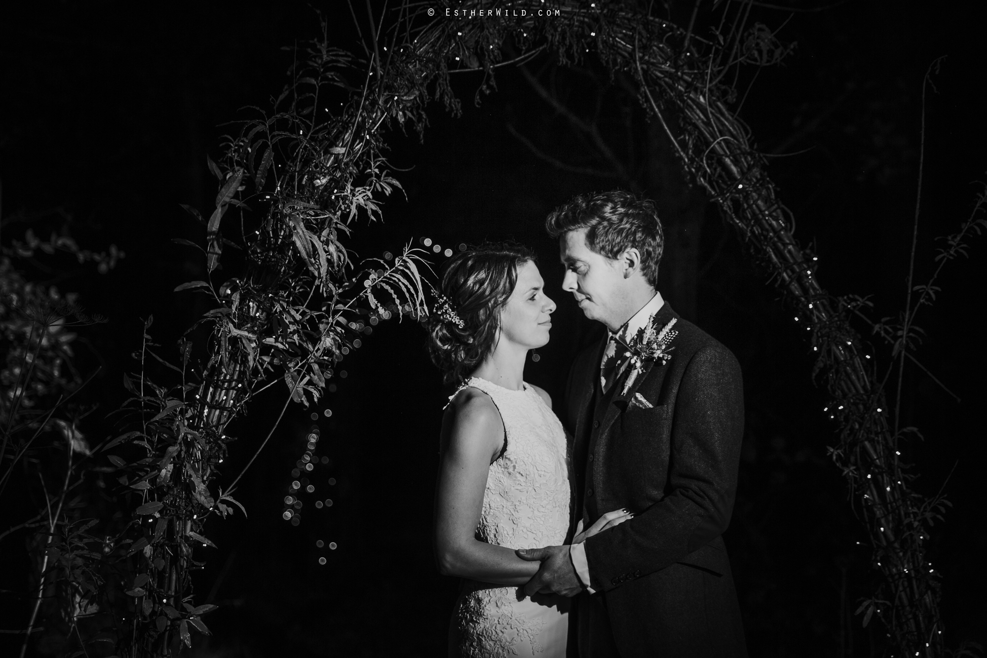 Wedding_Photographer_Chaucer_Barn_Holt_Norfolk_Country_Rustic_Venue_Copyright_Esther_Wild_IMG_2515-2.jpg