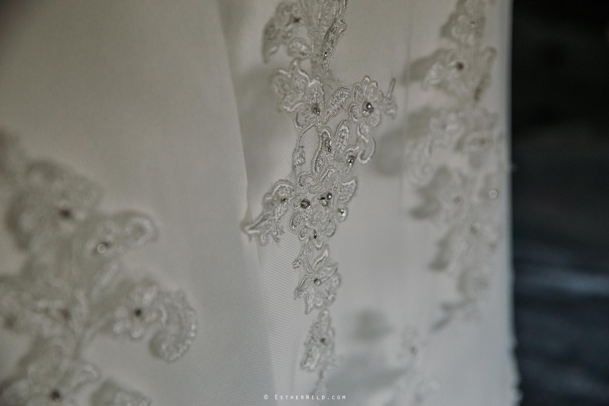 Wedding_Photography_Diss_Gawdy_Hall_Redenhall_Church_Norfolk_Winter_Esther_Wild_Copyright_IMG_0085.jpg