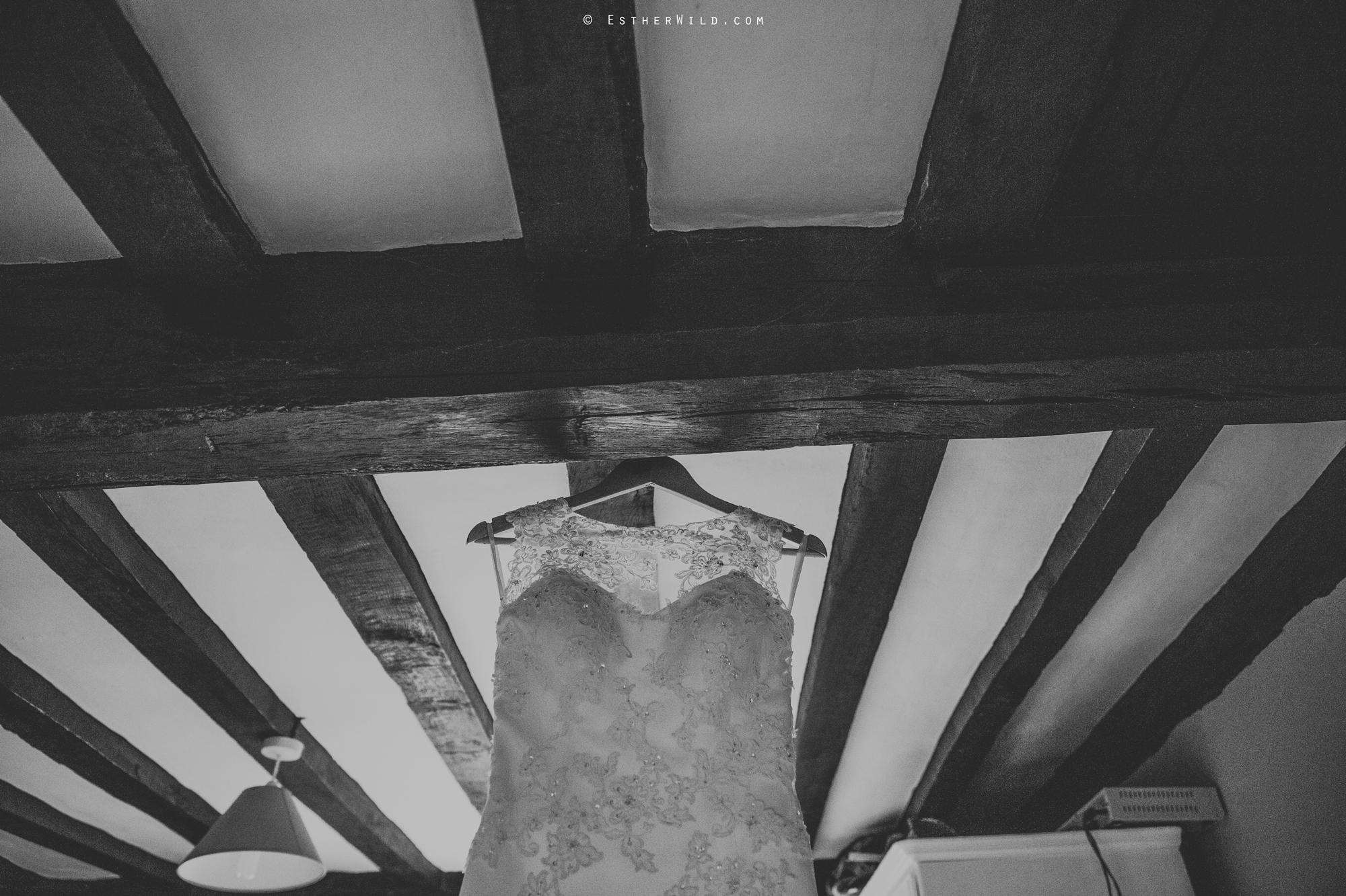 Wedding_Photography_Diss_Gawdy_Hall_Redenhall_Church_Norfolk_Winter_Esther_Wild_Copyright_IMG_0098-2.jpg
