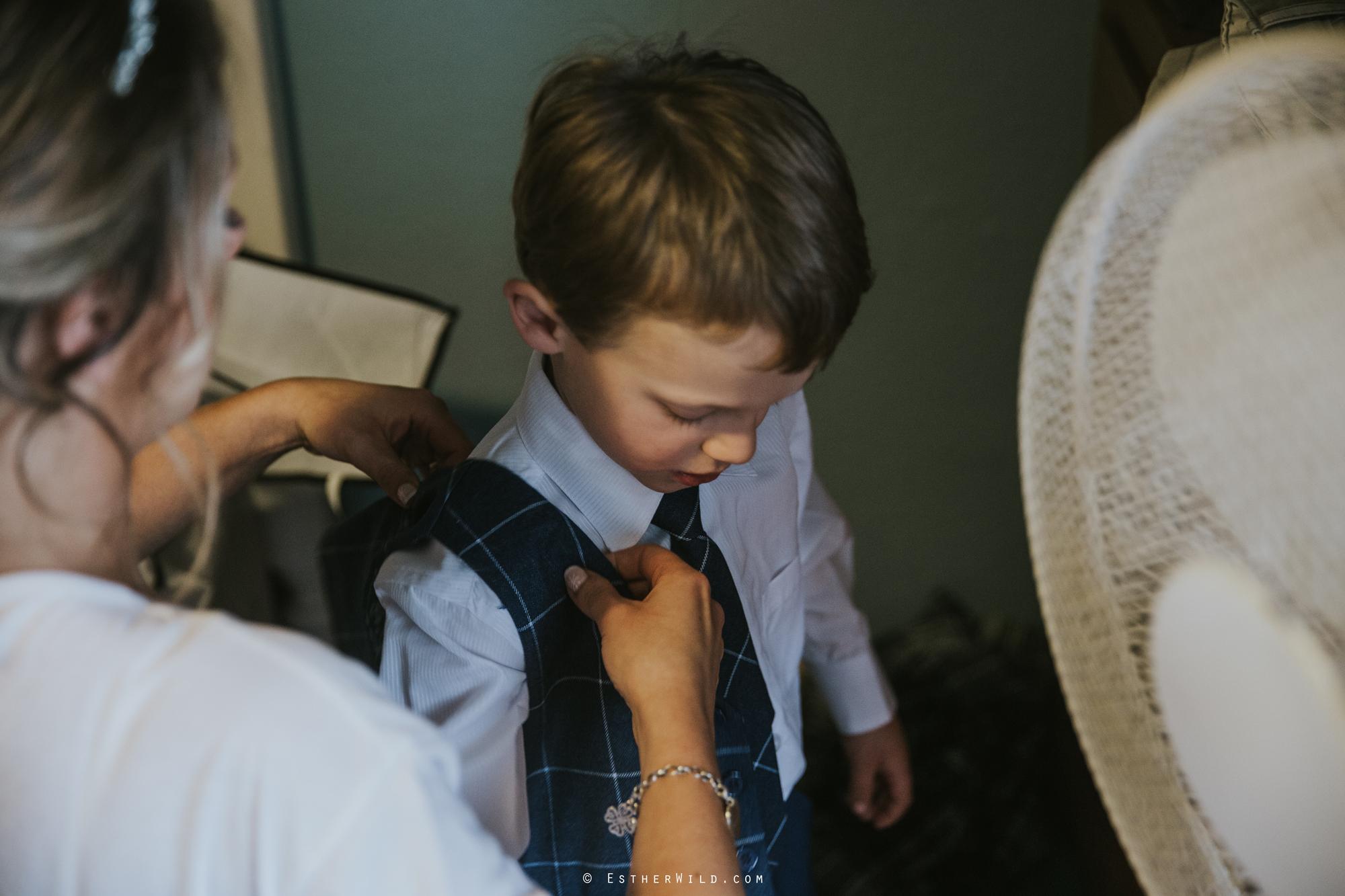 Wedding_Photography_Diss_Gawdy_Hall_Redenhall_Church_Norfolk_Winter_Esther_Wild_Copyright_IMG_0816.jpg