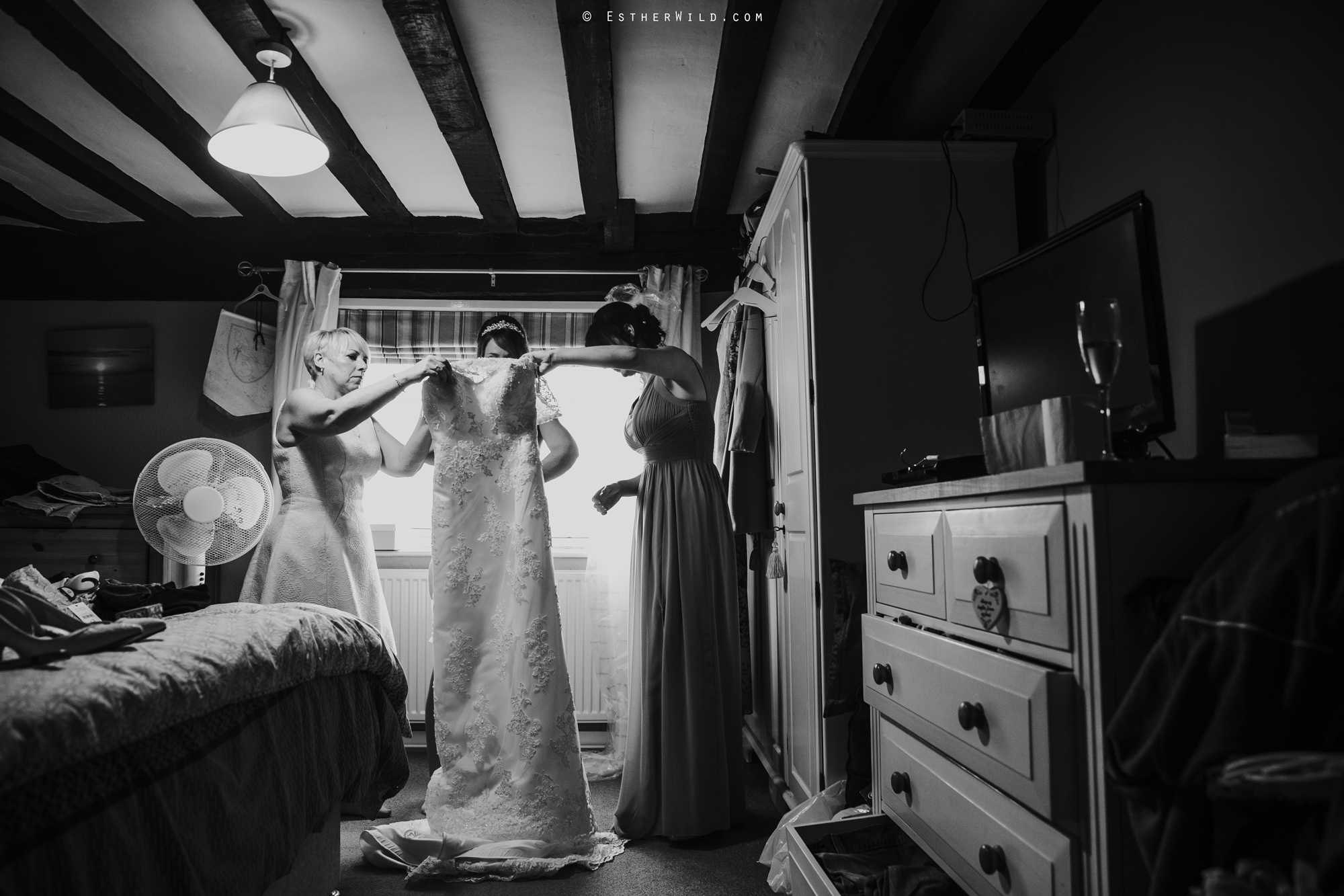 Wedding_Photography_Diss_Gawdy_Hall_Redenhall_Church_Norfolk_Winter_Esther_Wild_Copyright_IMG_0878-2.jpg
