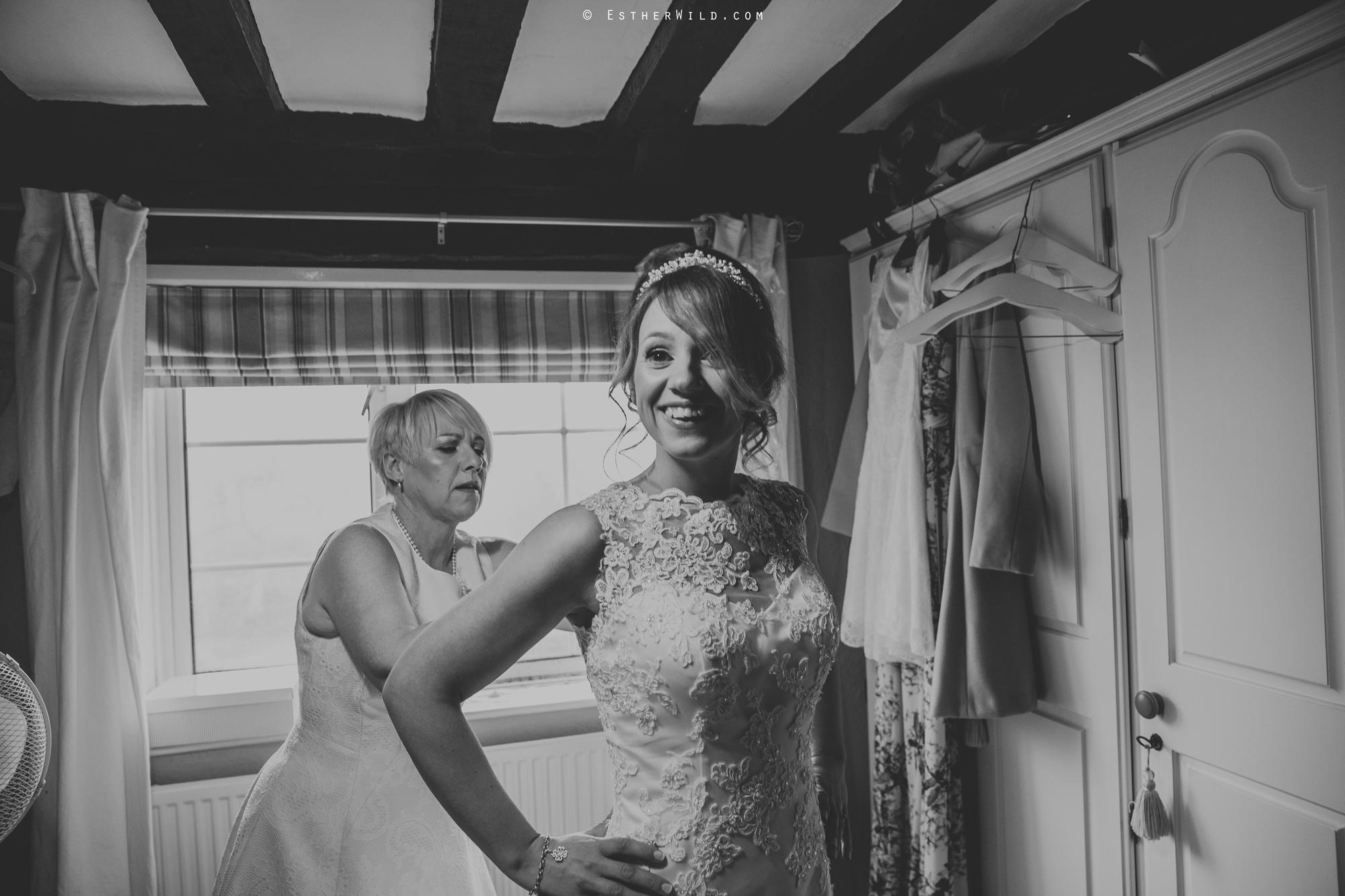 Wedding_Photography_Diss_Gawdy_Hall_Redenhall_Church_Norfolk_Winter_Esther_Wild_Copyright_IMG_0883-2.jpg