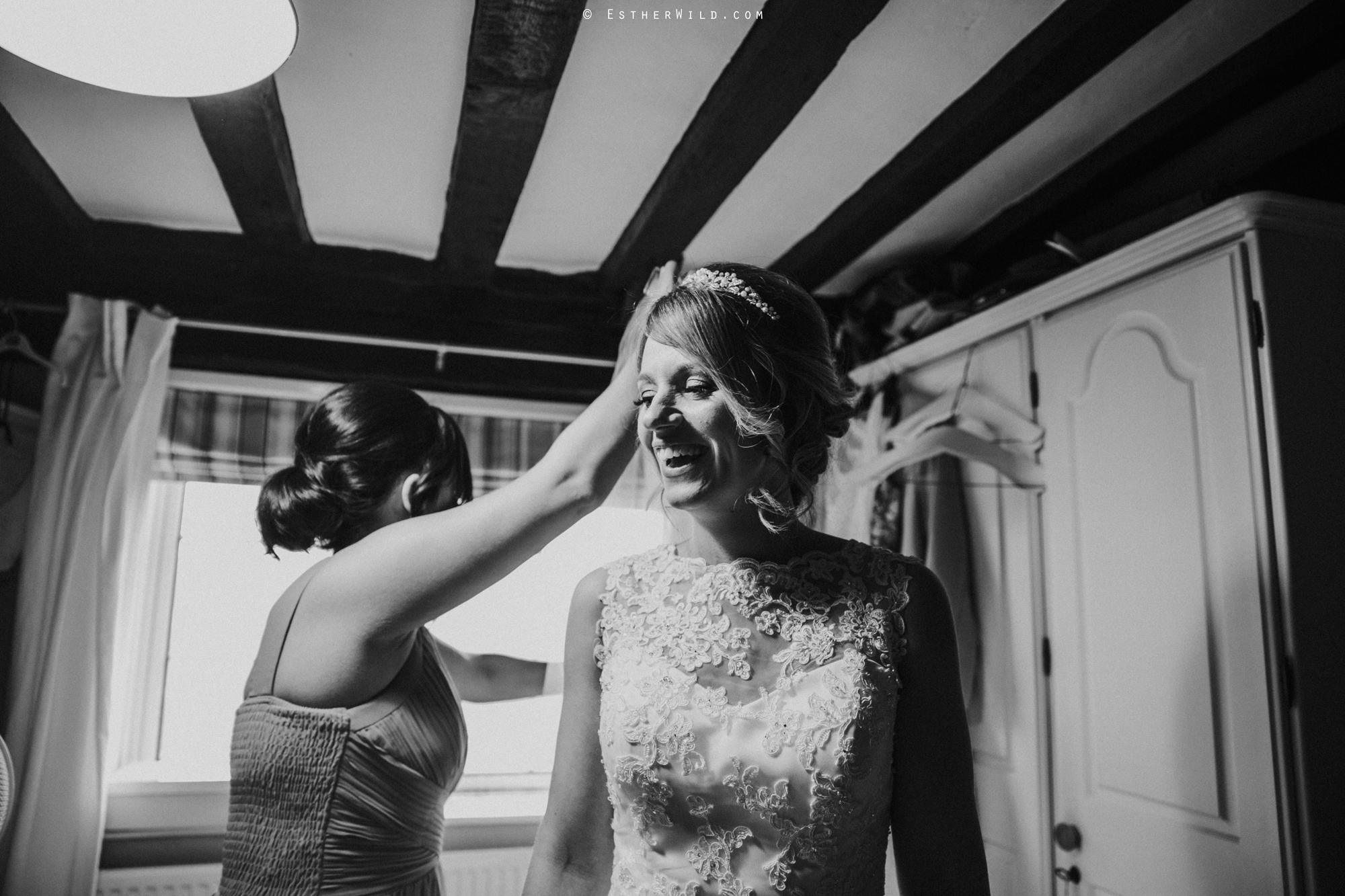 Wedding_Photography_Diss_Gawdy_Hall_Redenhall_Church_Norfolk_Winter_Esther_Wild_Copyright_IMG_0896-2.jpg