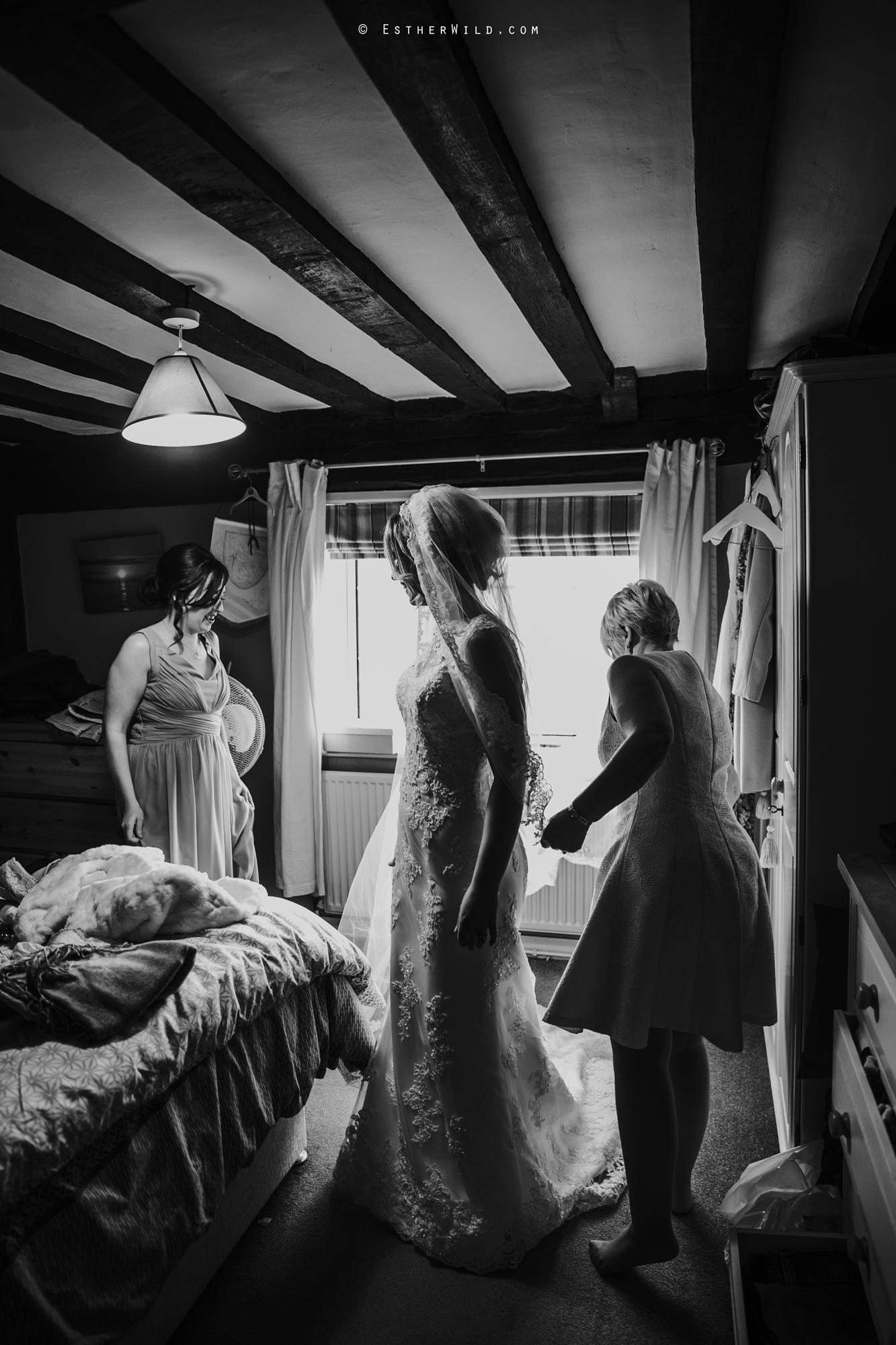 Wedding_Photography_Diss_Gawdy_Hall_Redenhall_Church_Norfolk_Winter_Esther_Wild_Copyright_IMG_0907-2.jpg