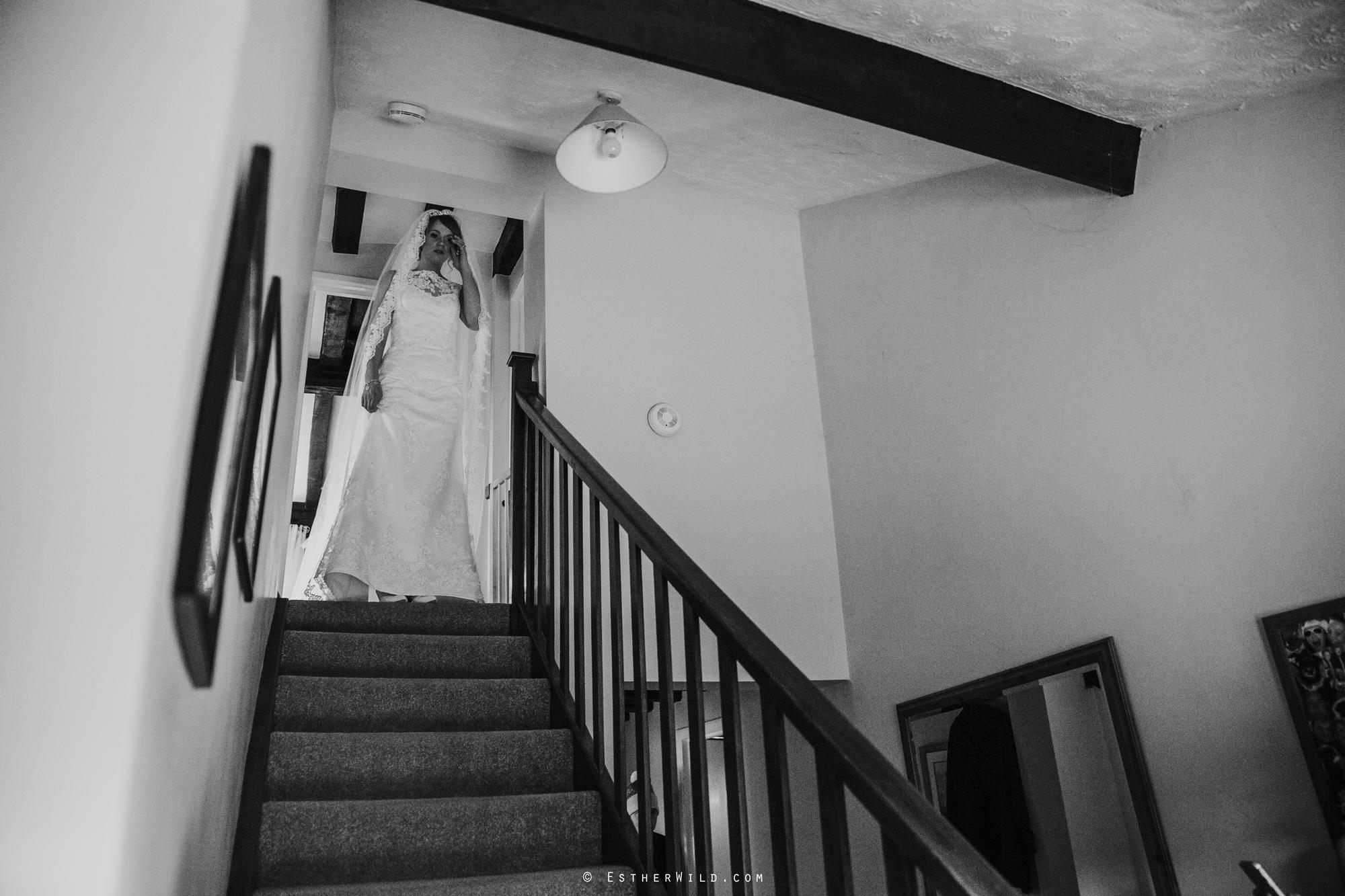 Wedding_Photography_Diss_Gawdy_Hall_Redenhall_Church_Norfolk_Winter_Esther_Wild_Copyright_IMG_0930-2.jpg