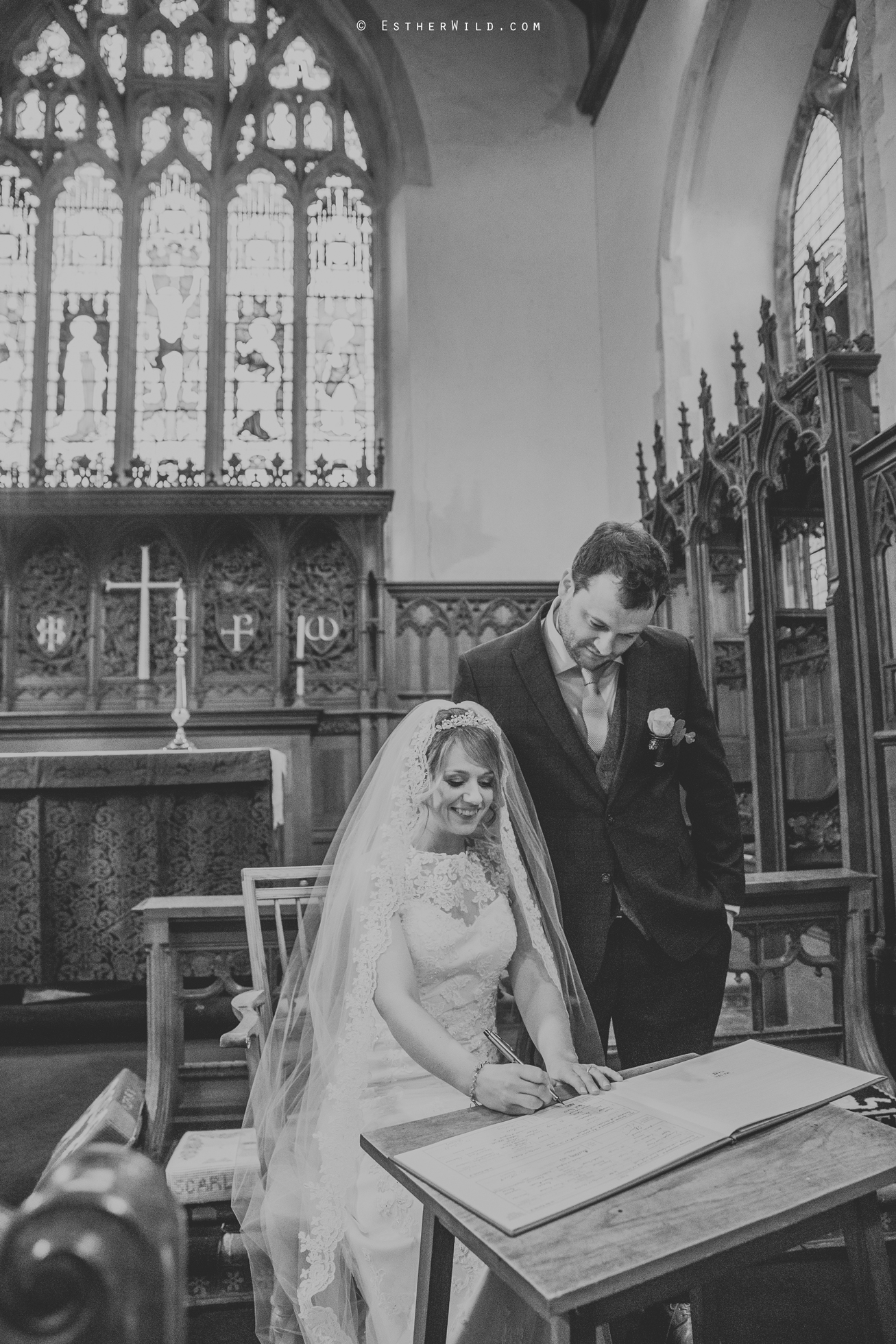 Wedding_Photography_Diss_Gawdy_Hall_Redenhall_Church_Norfolk_Winter_Esther_Wild_Copyright_IMG_1306-2.jpg