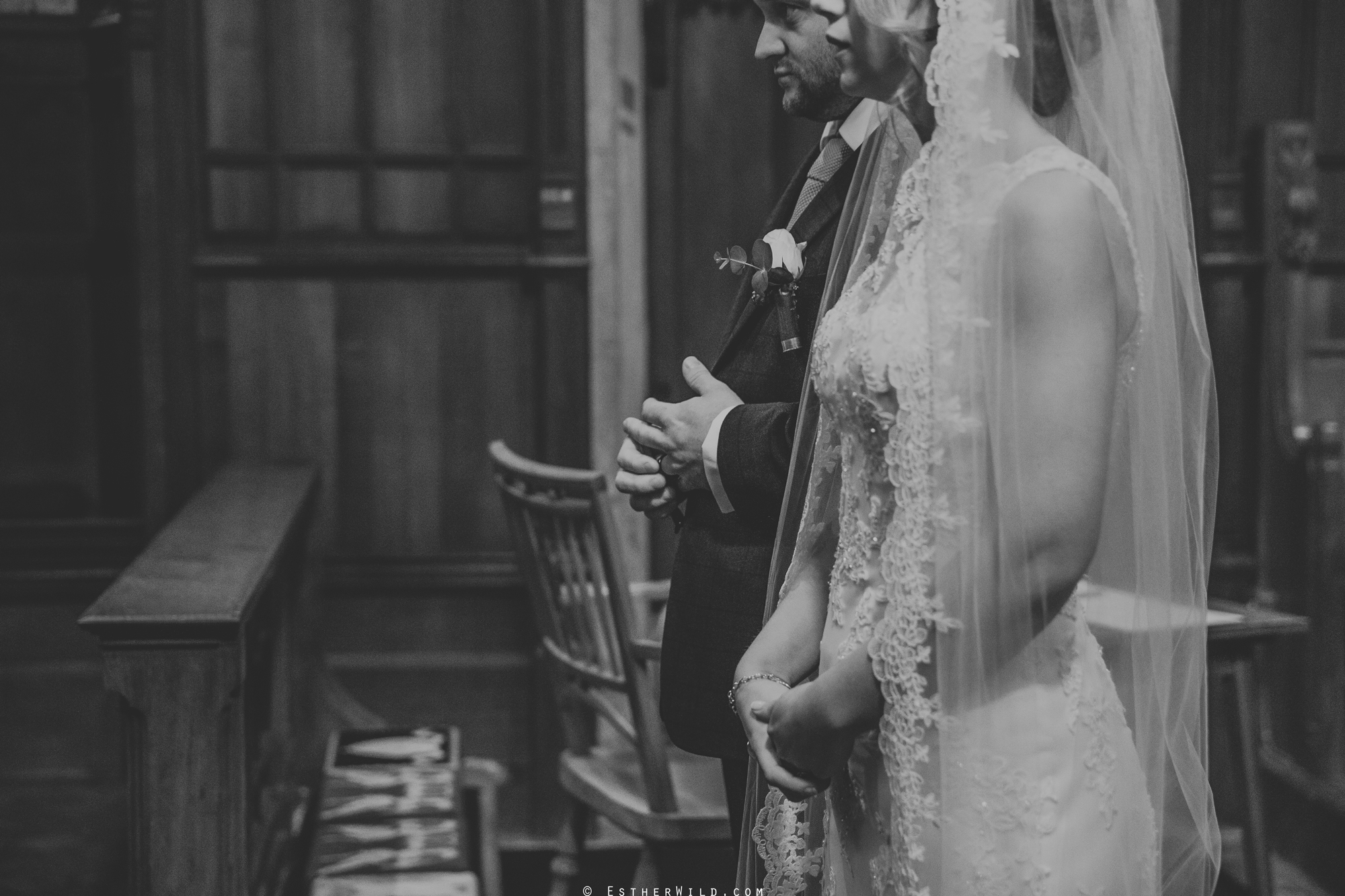 Wedding_Photography_Diss_Gawdy_Hall_Redenhall_Church_Norfolk_Winter_Esther_Wild_Copyright_IMG_1314-2.jpg