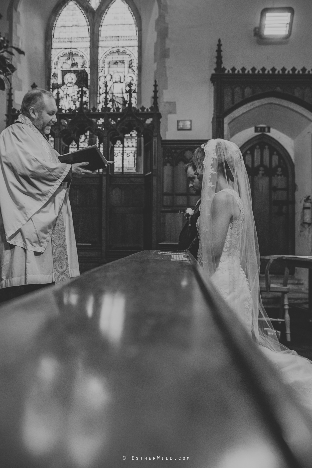 Wedding_Photography_Diss_Gawdy_Hall_Redenhall_Church_Norfolk_Winter_Esther_Wild_Copyright_IMG_1325-2.jpg