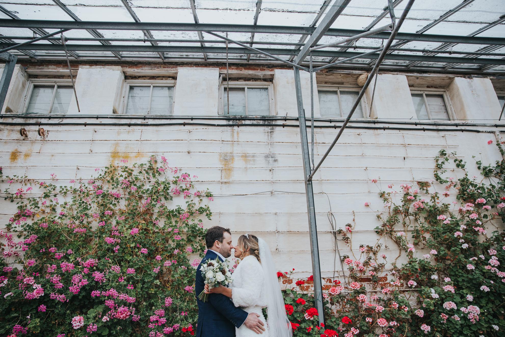 Wedding_Photography_Diss_Gawdy_Hall_Redenhall_Church_Norfolk_Winter_Esther_Wild_Copyright_IMG_1756-2.jpg
