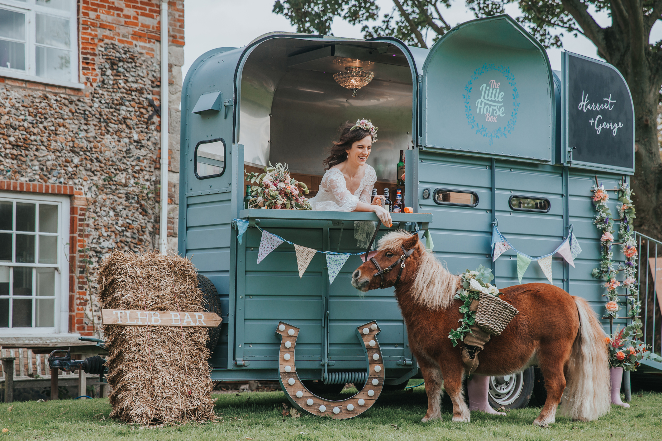 Esther_Wild_Little_Horse_Box_Norfolk_Wedding_IMG_2983.jpg
