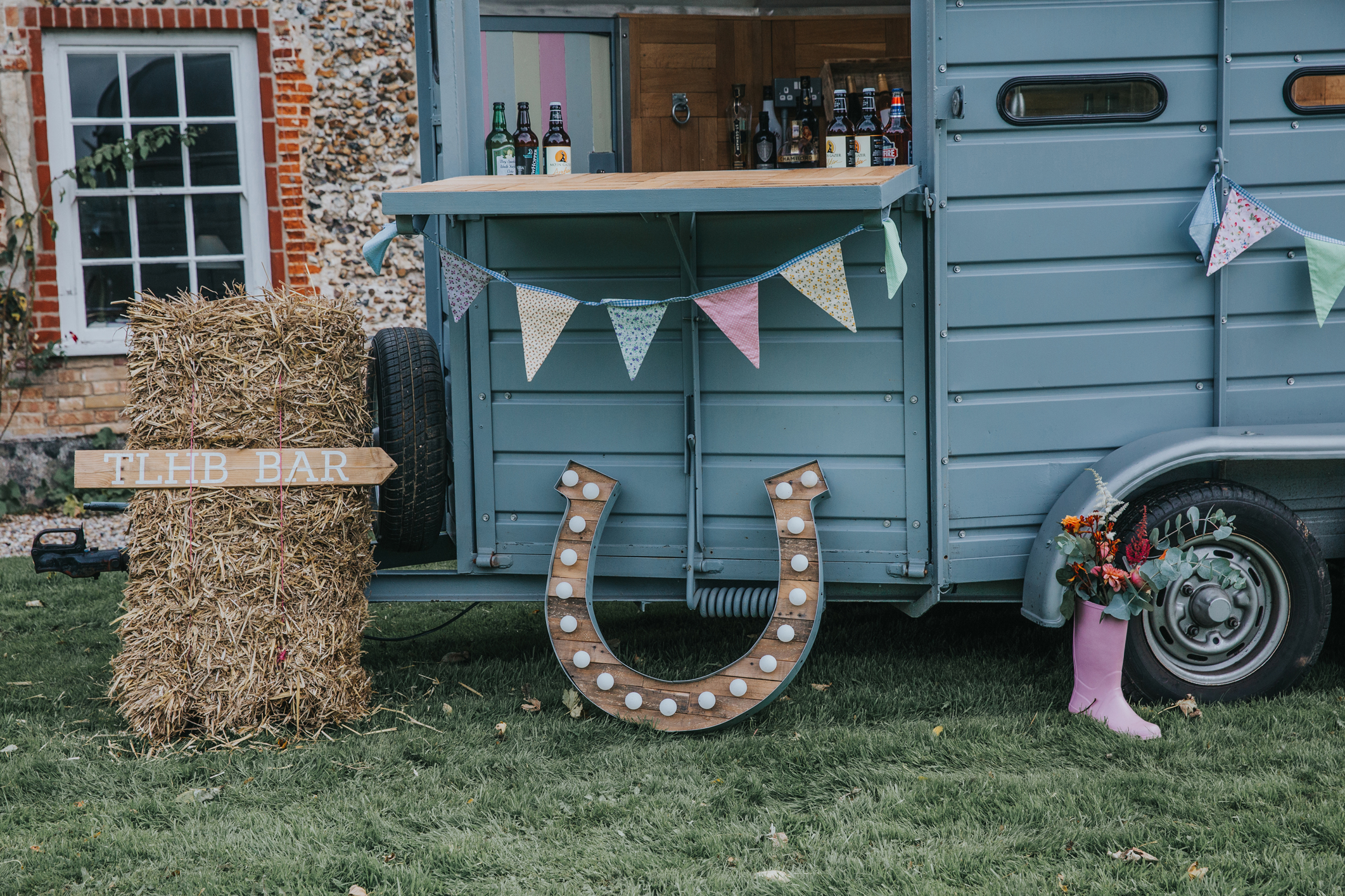 Norfolk_Wedding_Esther_Wild_Little_Horse_Box_IMG_2458.jpg