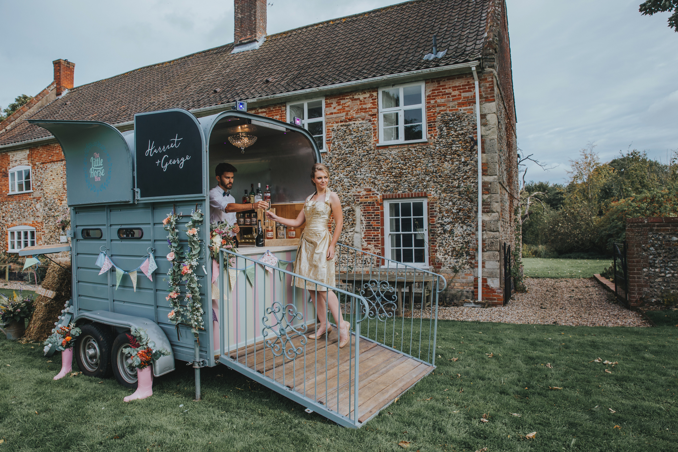 Norfolk_Wedding_Esther_Wild_Little_Horse_Box_IMG_2508.jpg